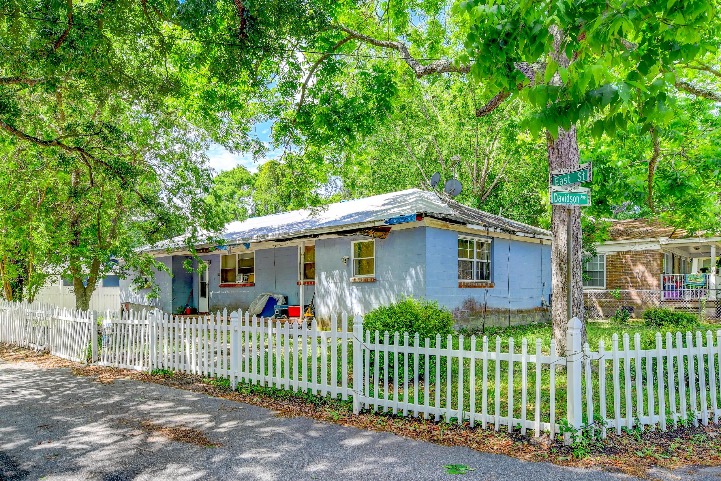 915 East Street Charleston, SC 29407