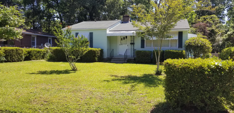 5526 Meadow Avenue North Charleston, SC 29406