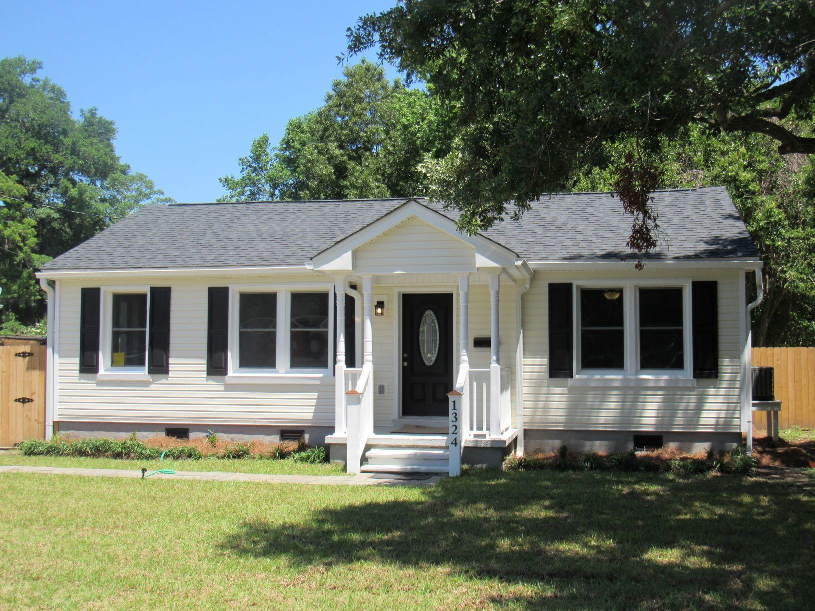 1324 Maxwell Street North Charleston, SC 29405