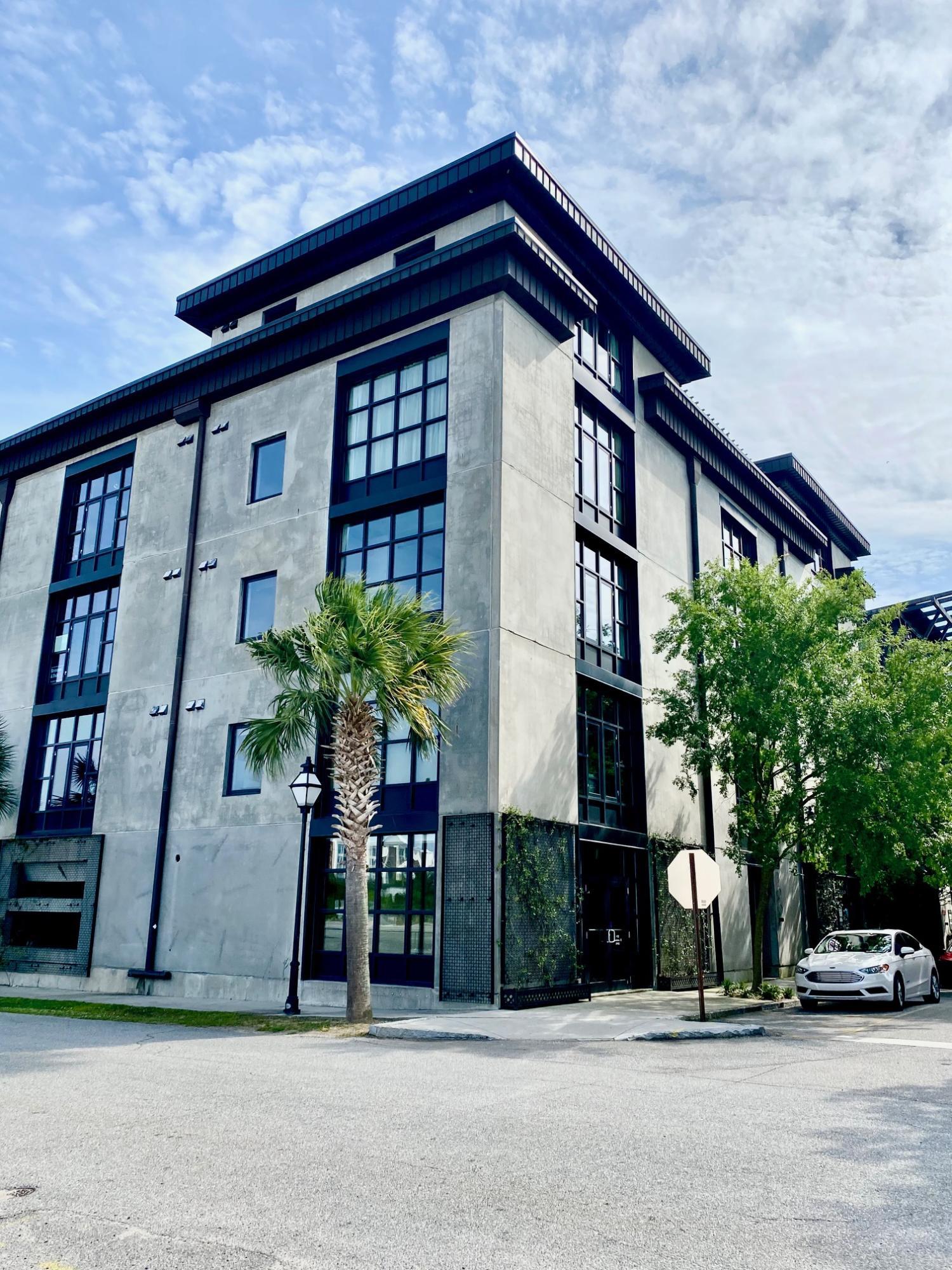 1 Cool Blow Street UNIT #132 Charleston, SC 29403
