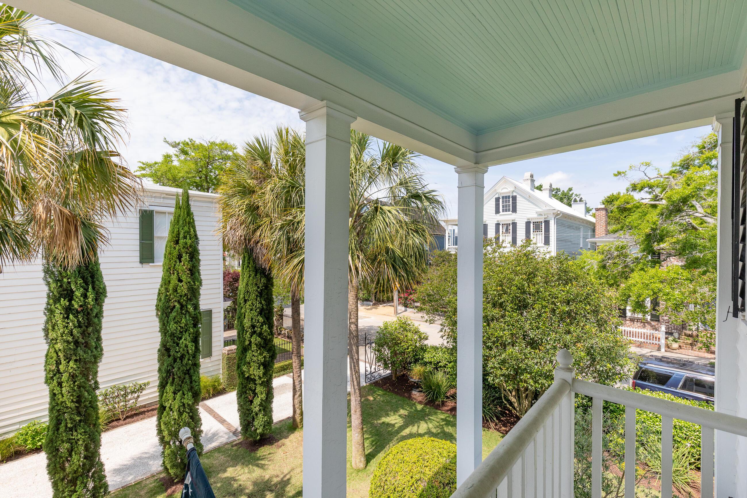 34 New Street Charleston, SC 29401
