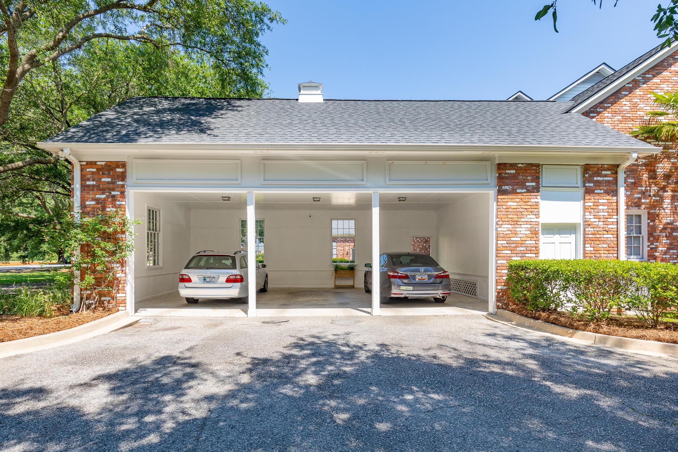 204 Woodlake Drive Summerville, SC 29485