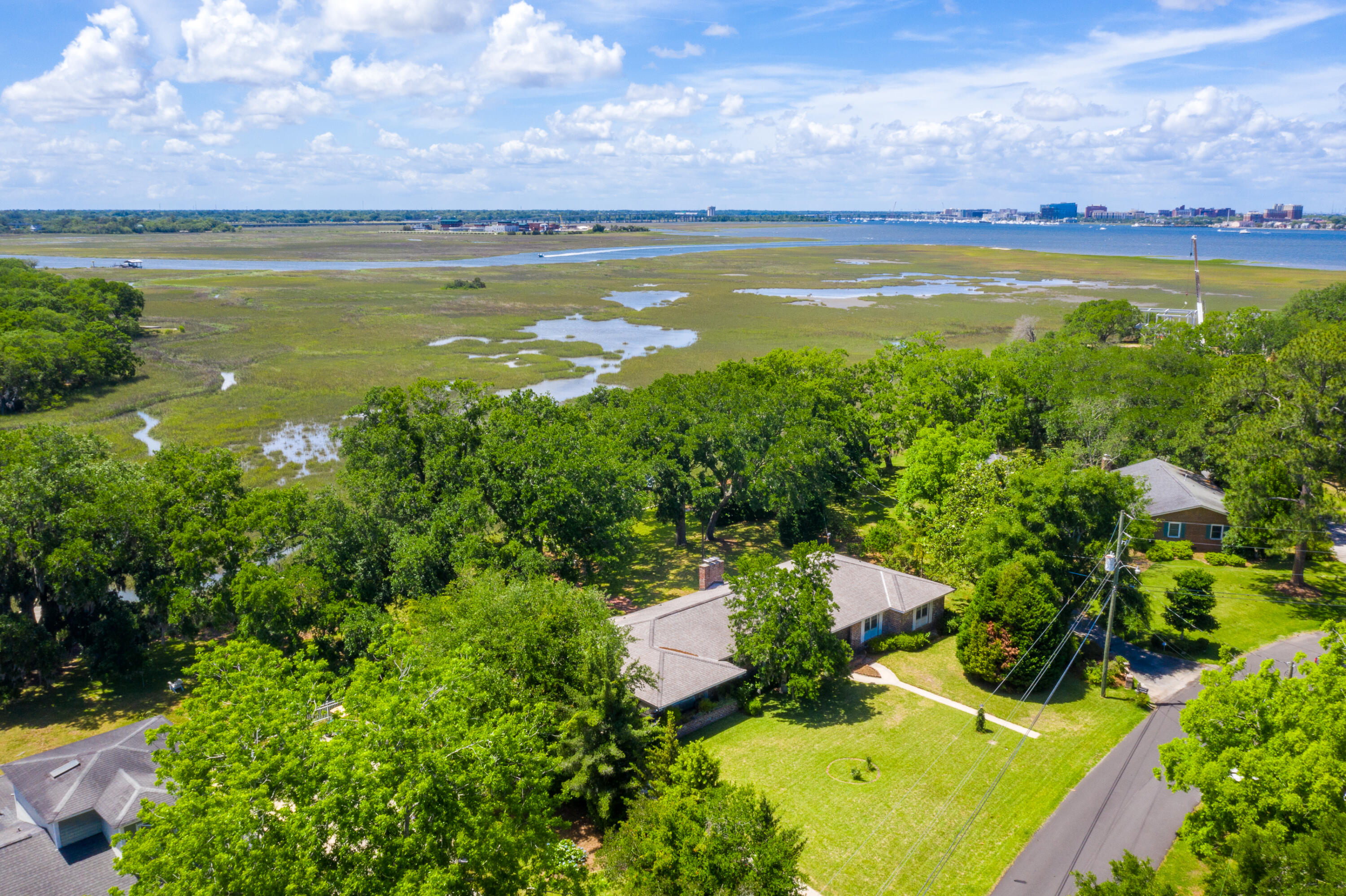 Lawton Bluff Homes For Sale - 1040 Fort Sumter, Charleston, SC - 16