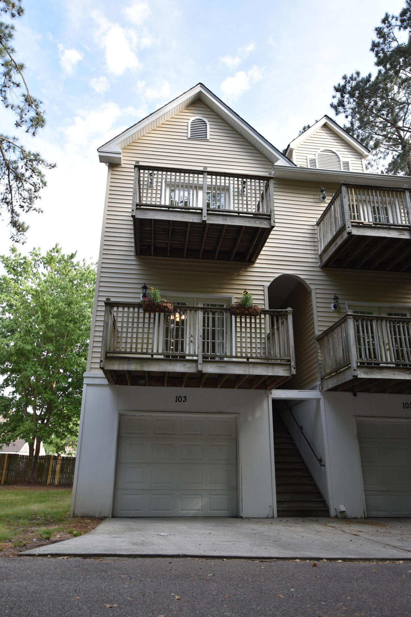 949 E Estate Boulevard UNIT #103 Charleston, Sc 29414