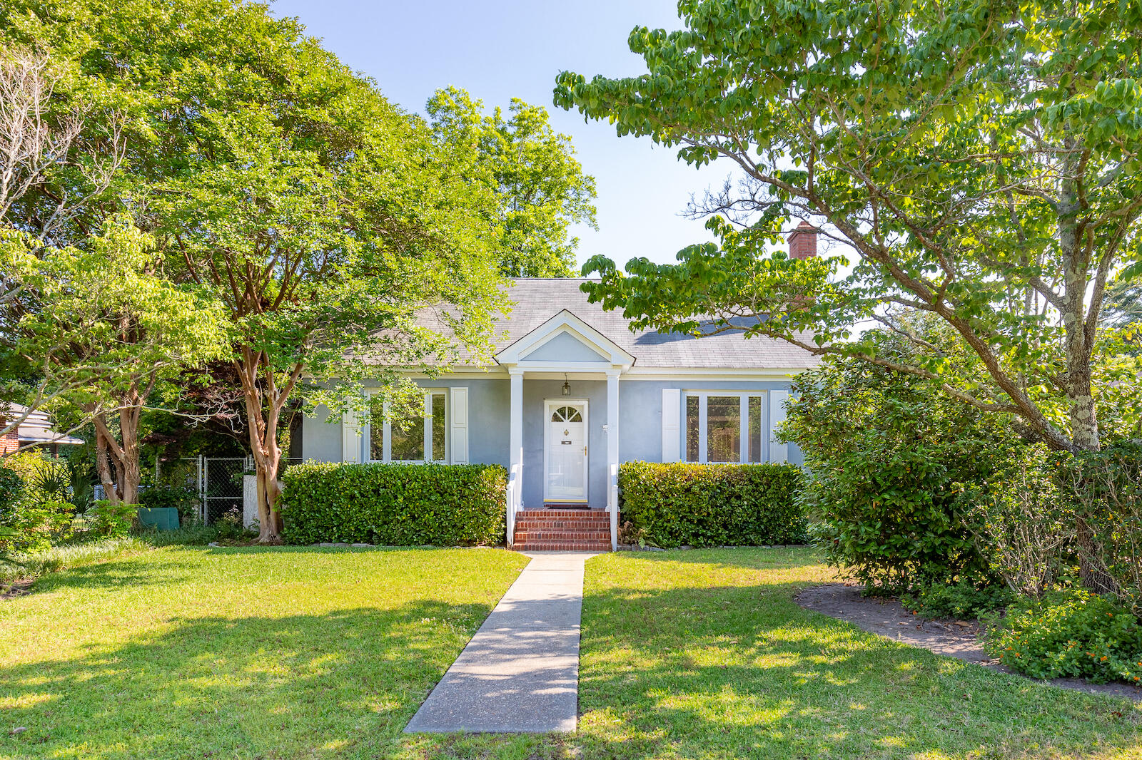 570 W Elizabeth Lane Charleston, SC 29407