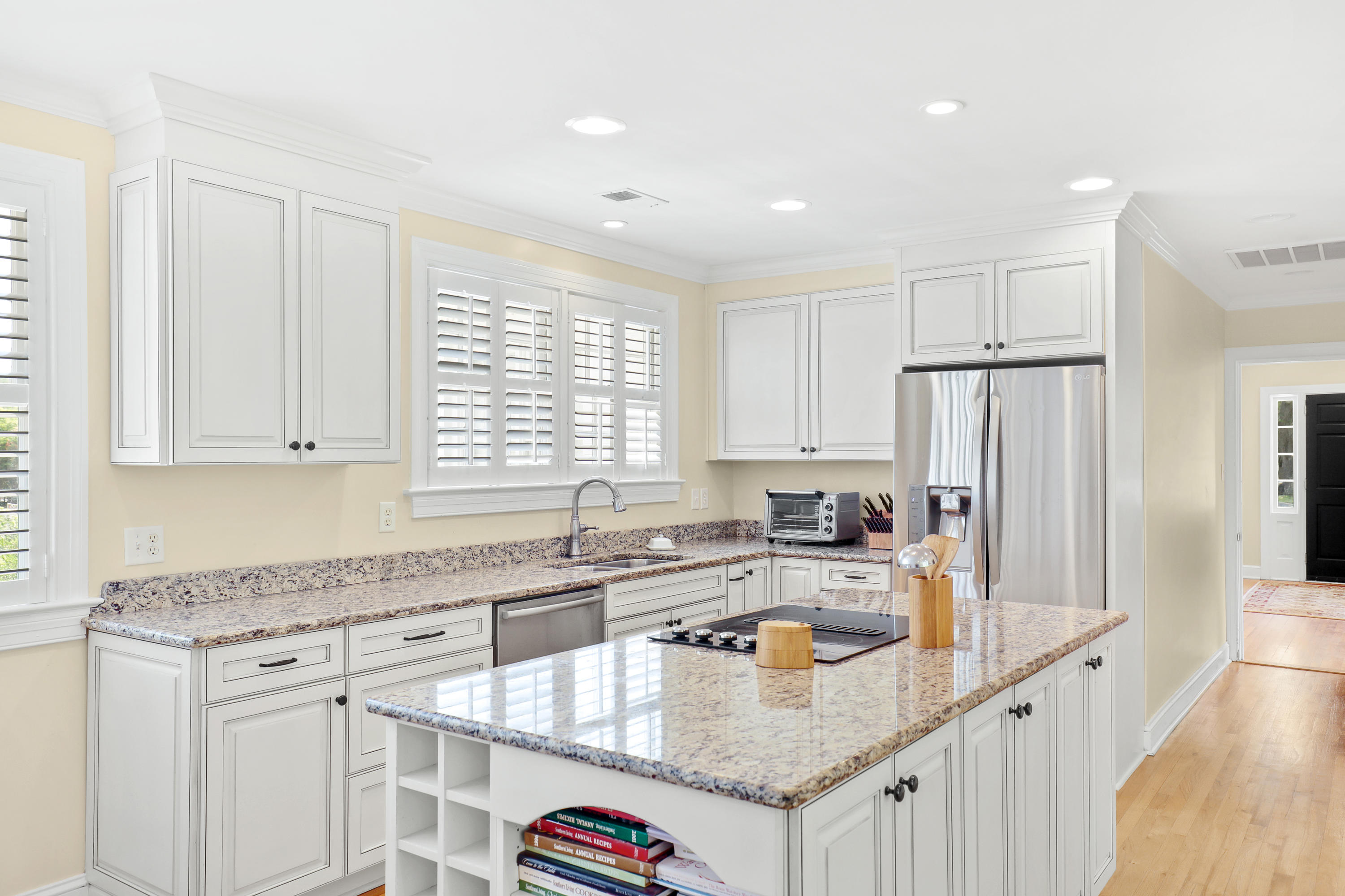 The Groves Homes For Sale - 949 Lakeview, Mount Pleasant, SC - 0