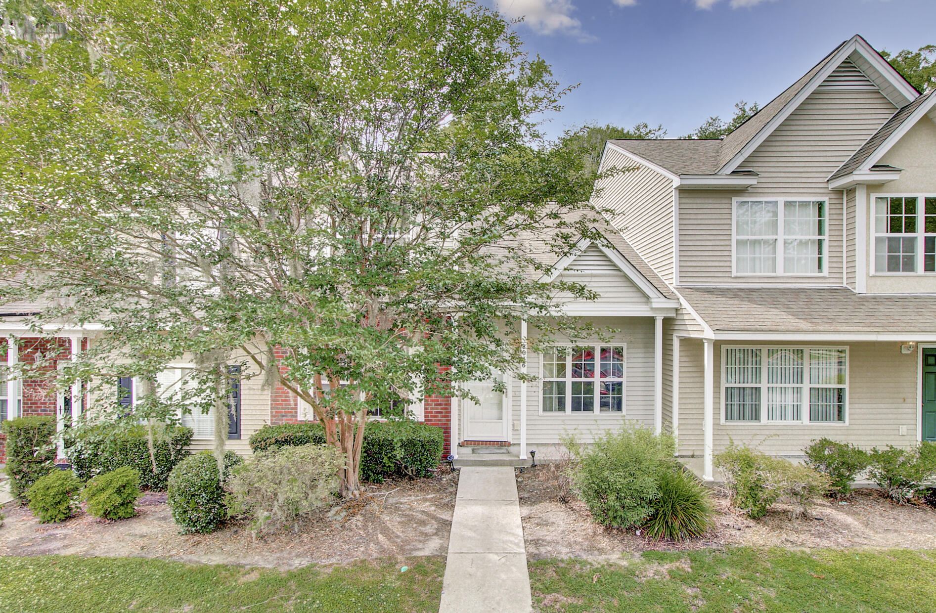 8036 Shadow Oak Drive North Charleston, SC 29406