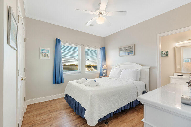 216 W Arctic Avenue UNIT #7 Folly Beach, SC 29439