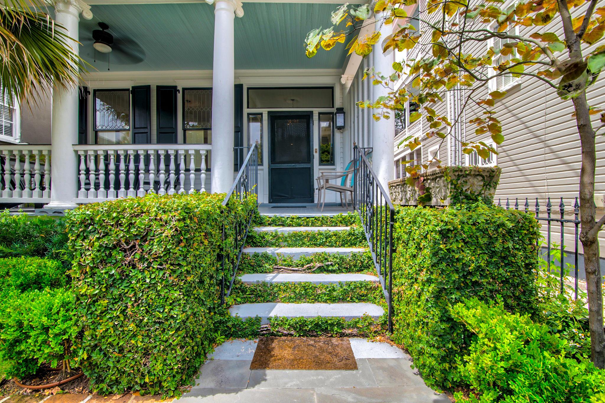 140 Tradd Street Charleston, SC 29401