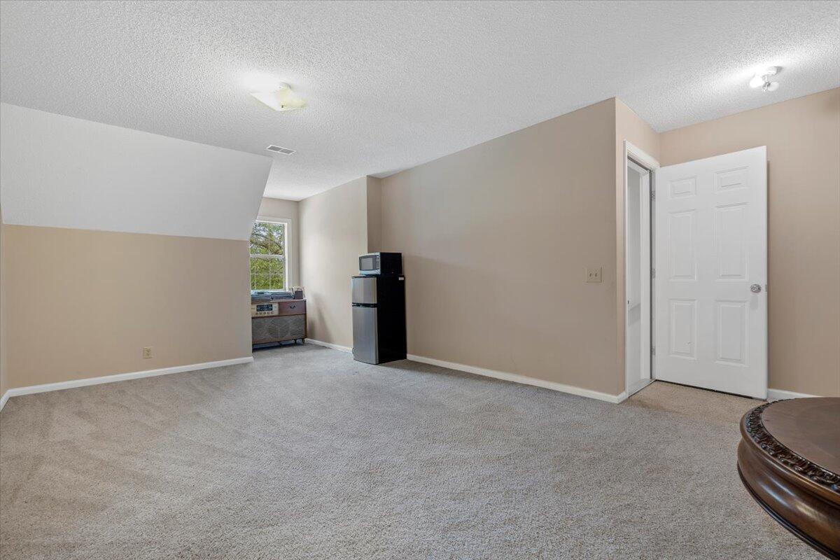 524 Leatherwood Lane Cordesville, SC 29434
