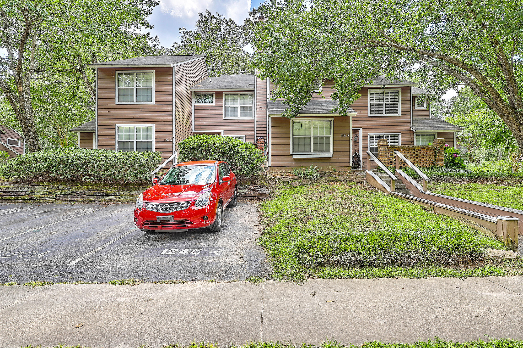 120 Luden Drive UNIT B Summerville, SC 29483