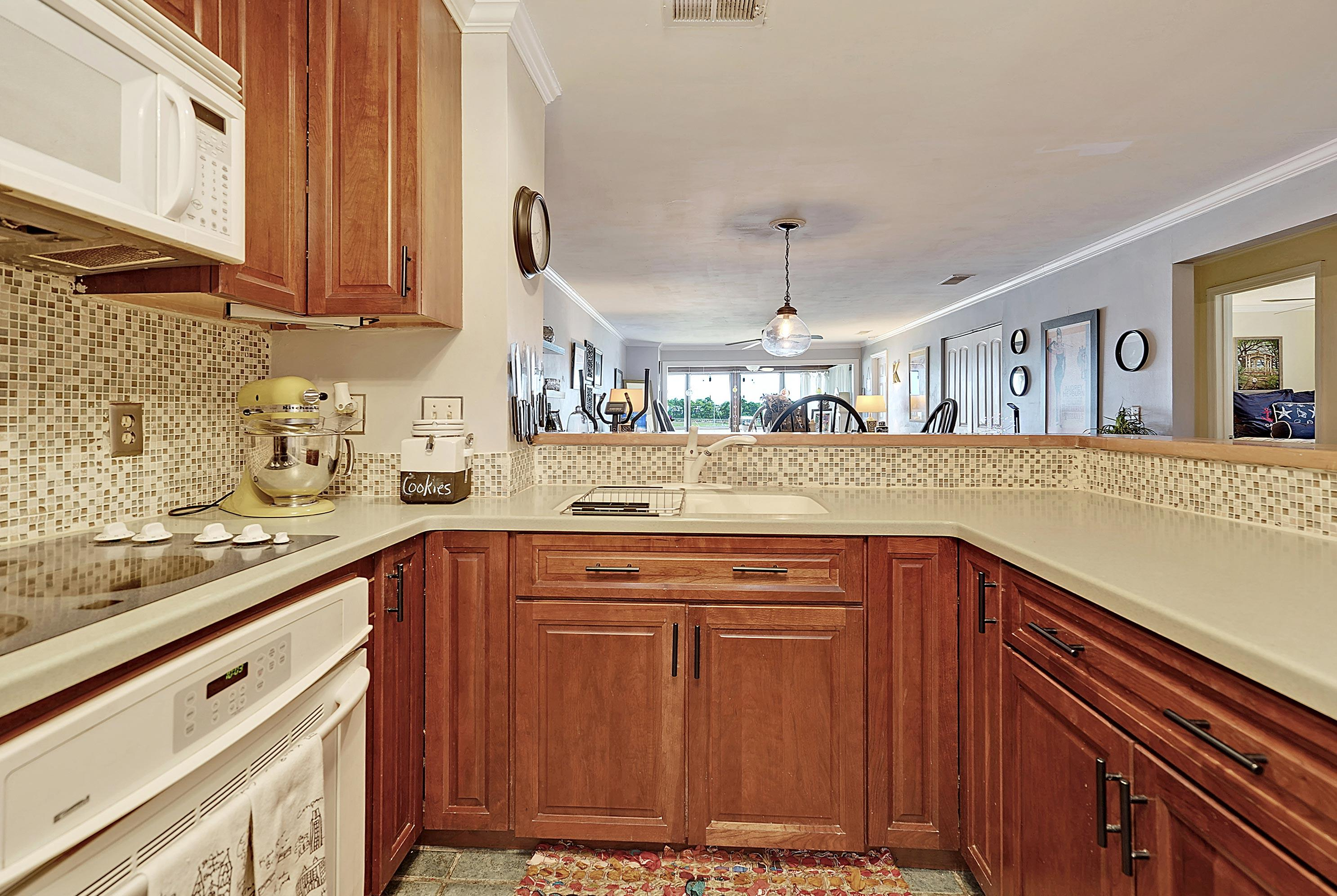 Mariners Cay Homes For Sale - 63 Mariners Cay, Folly Beach, SC - 31