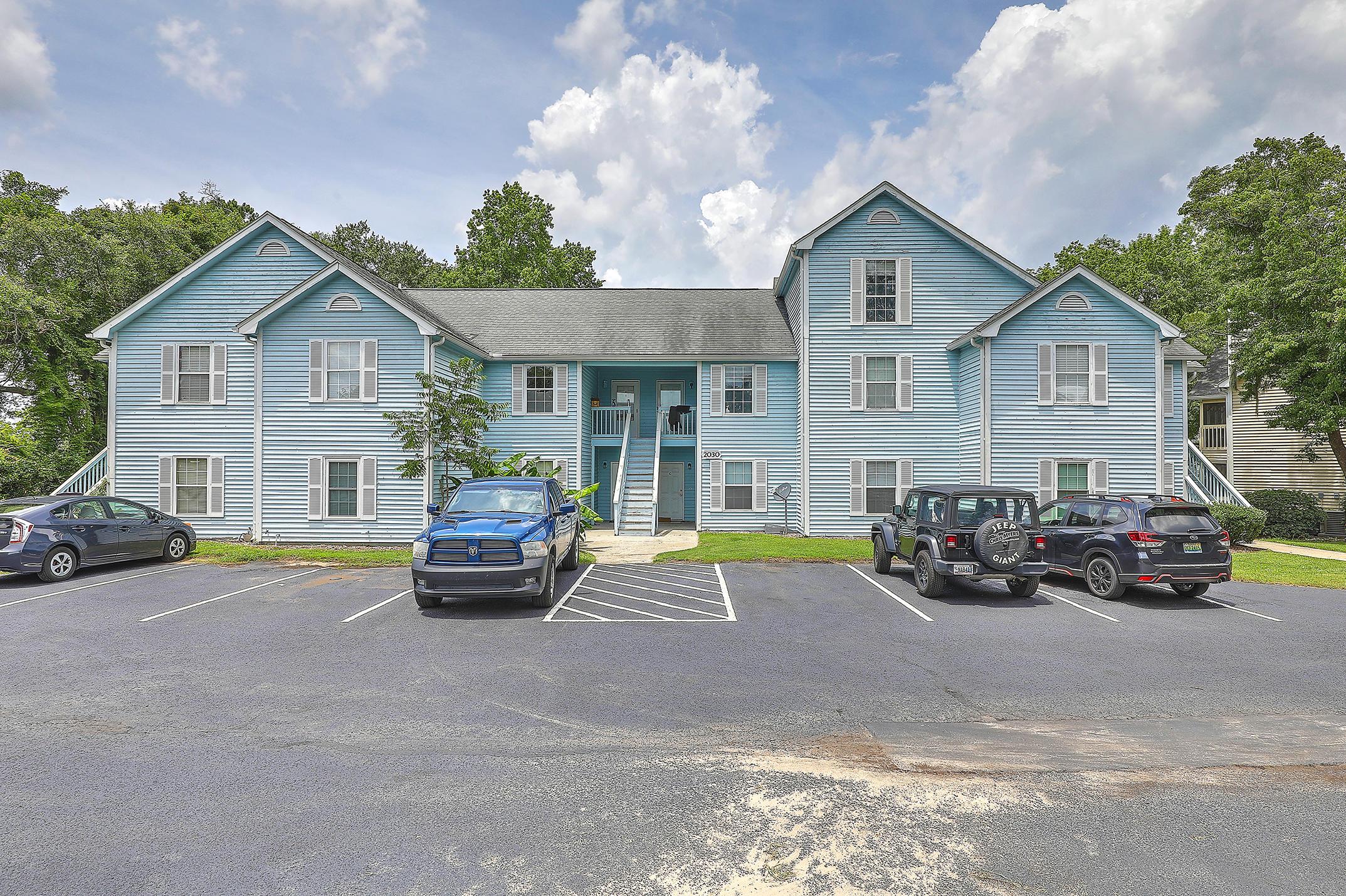2030 Coldspring Drive UNIT #702 North Charleston, Sc 29406