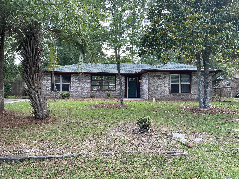 4968 Foxwood Drive North Charleston, SC 29418