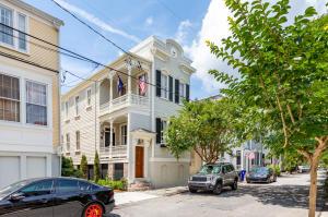 9 Savage Street, Charleston, SC 29401