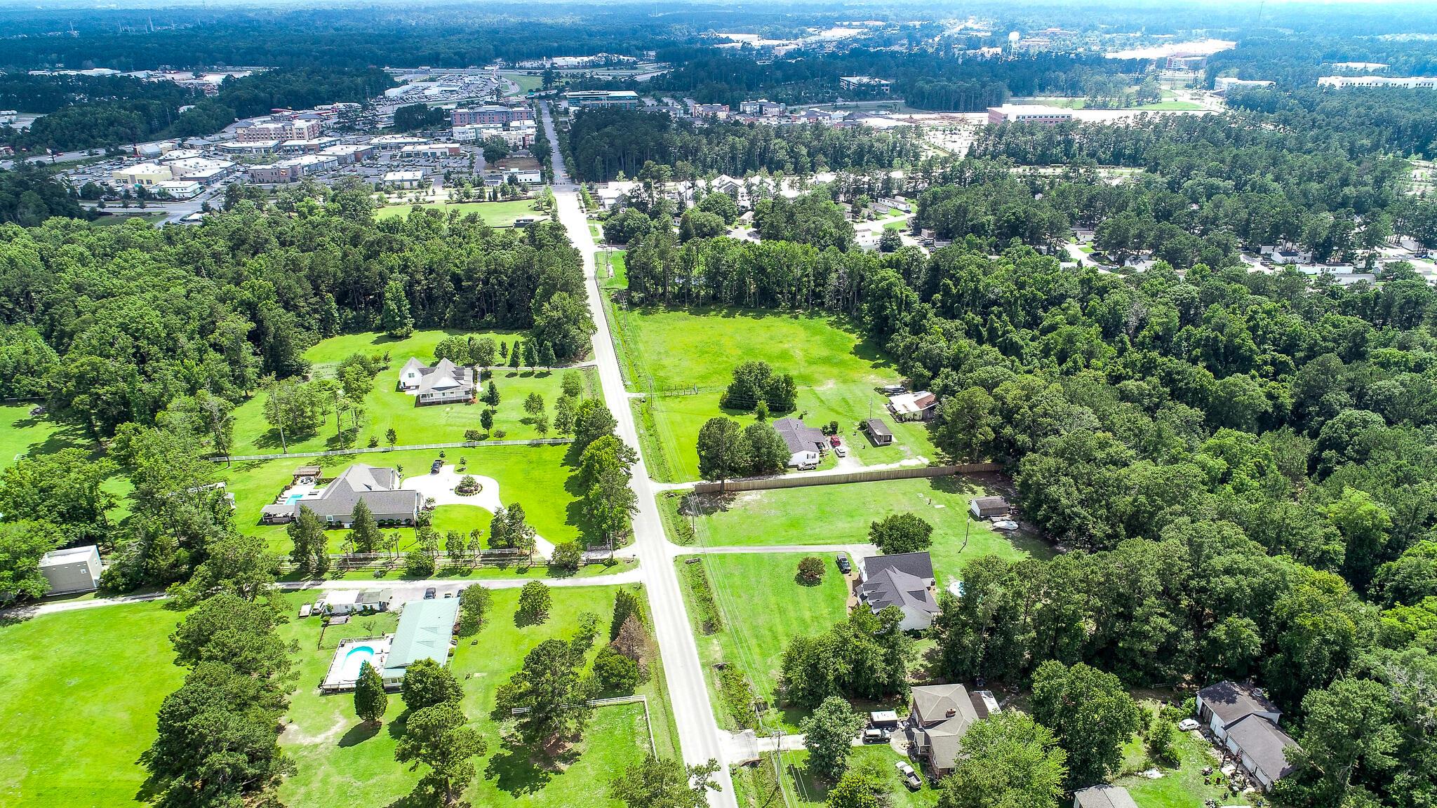 1633 Rose Drive Summerville, SC 29486
