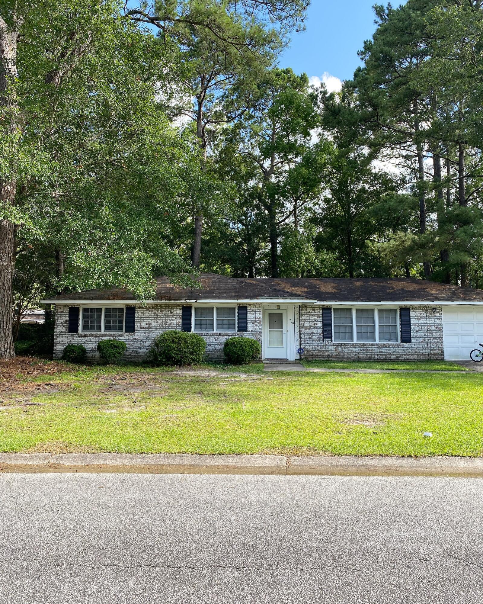 7737 Cherrywood Drive North Charleston, SC 29418