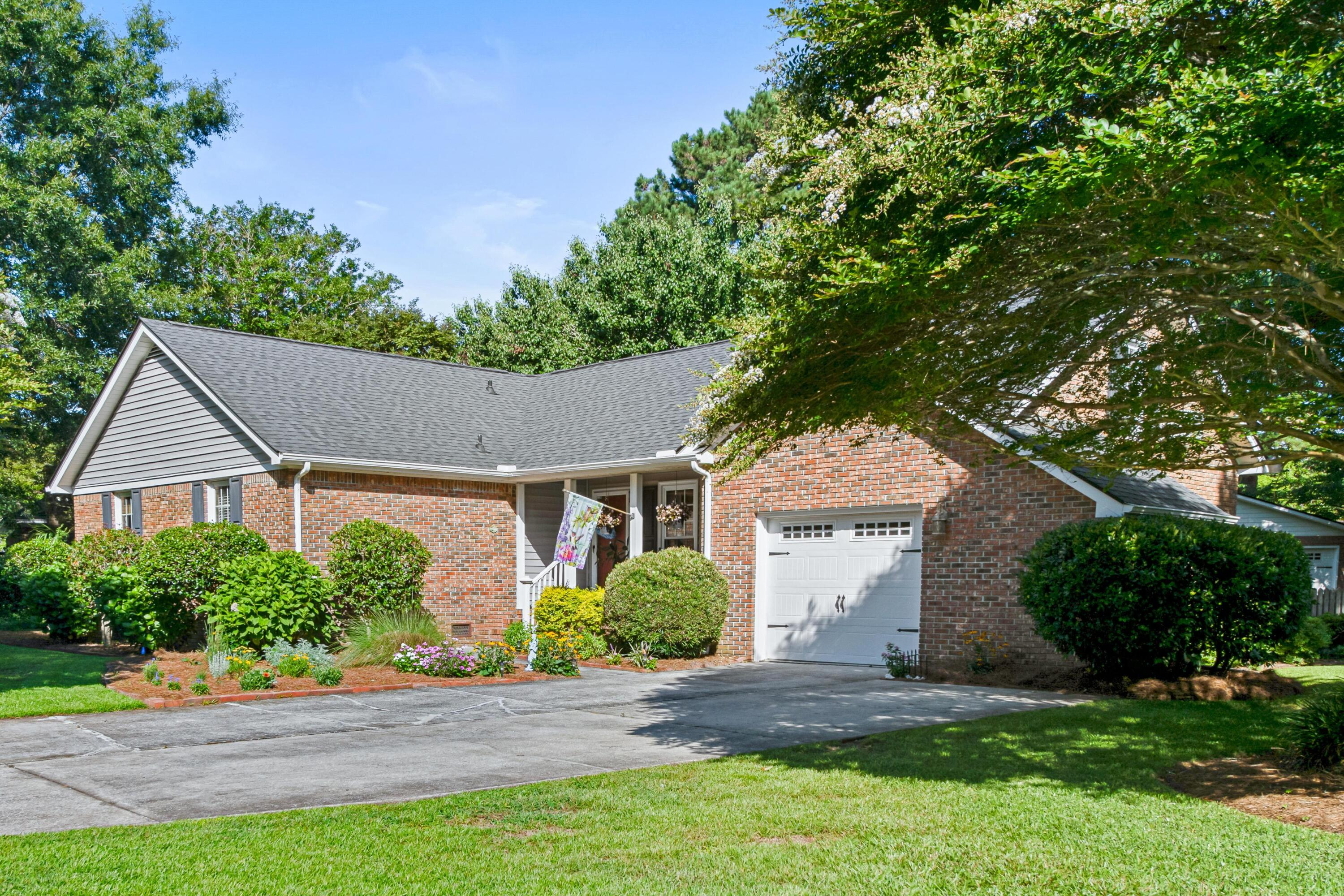 761 Chatter Road Mount Pleasant, SC 29464