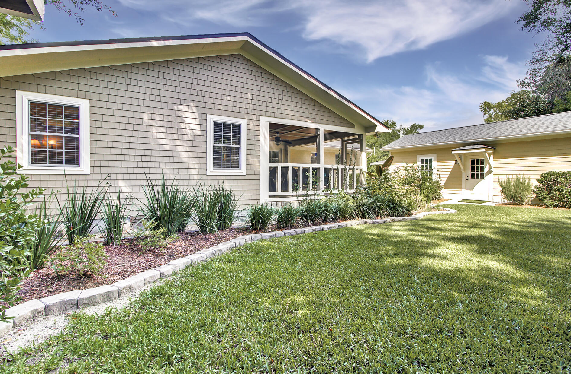 Old Mt Pleasant Homes For Sale - 1466 Barbara, Mount Pleasant, SC - 2