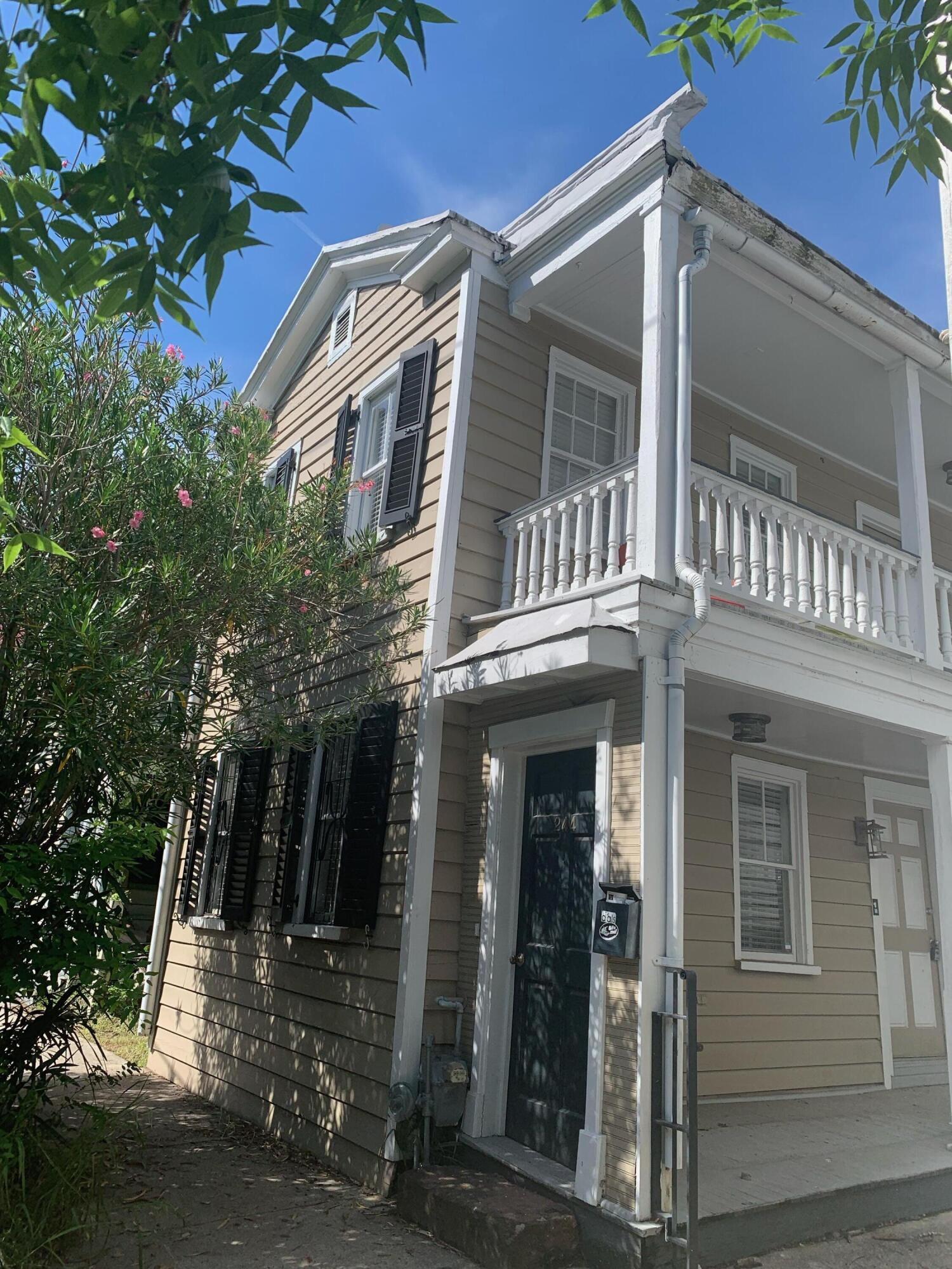 244 Coming Street Charleston, SC 29403