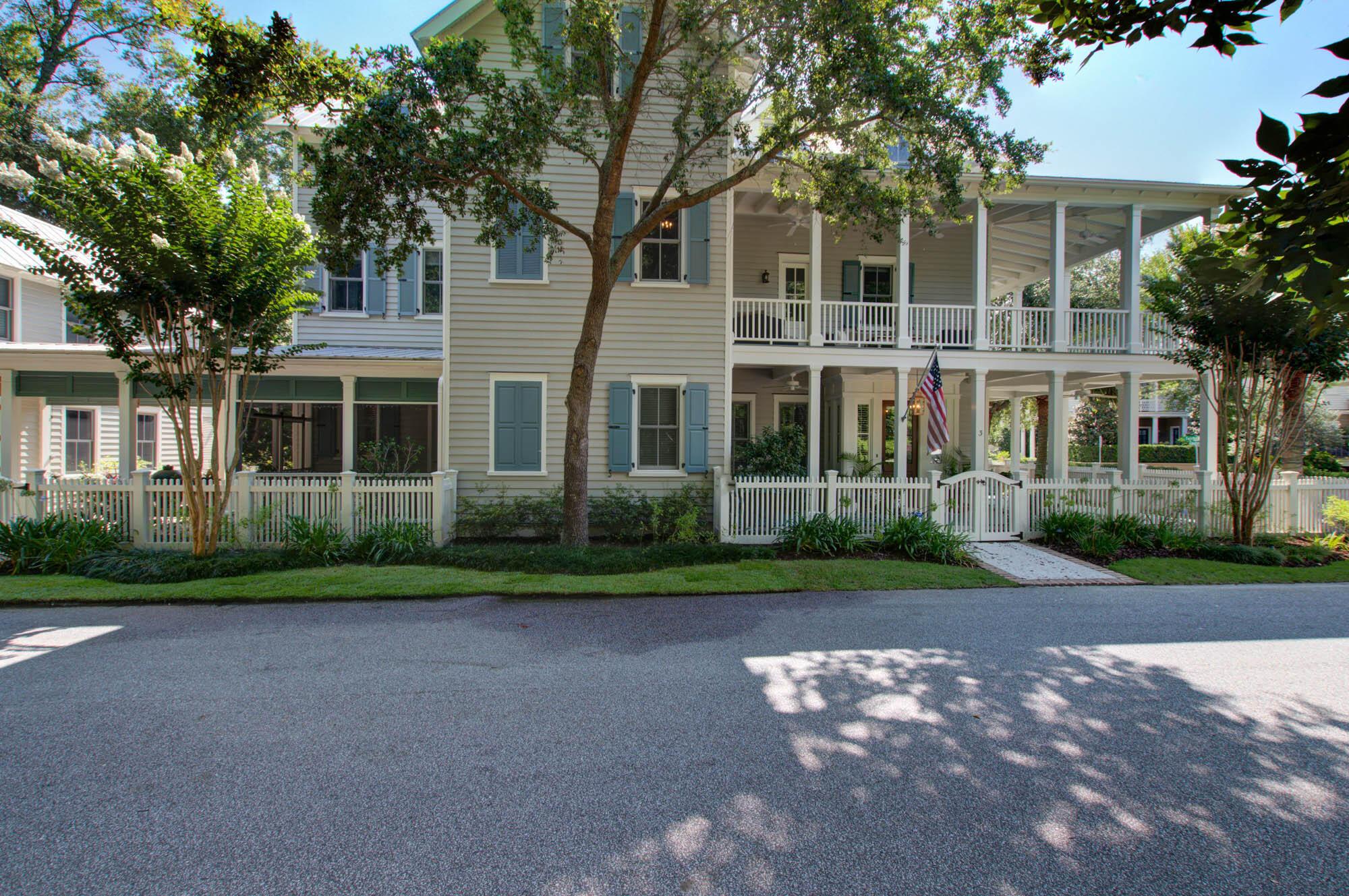 3 Robert Mills Circle Mount Pleasant, SC 29464