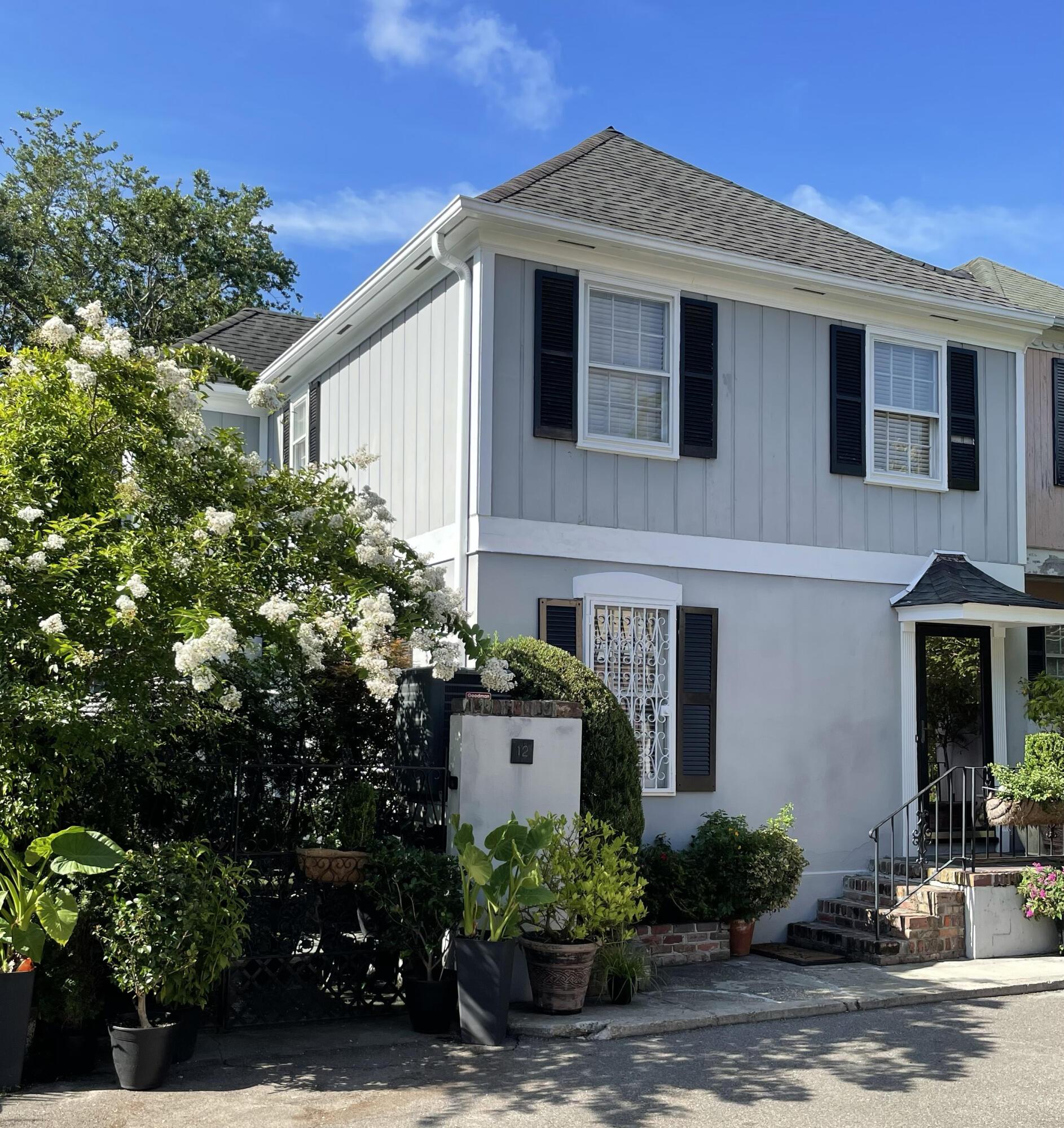 12 Poulnot Lane Charleston, SC 29401