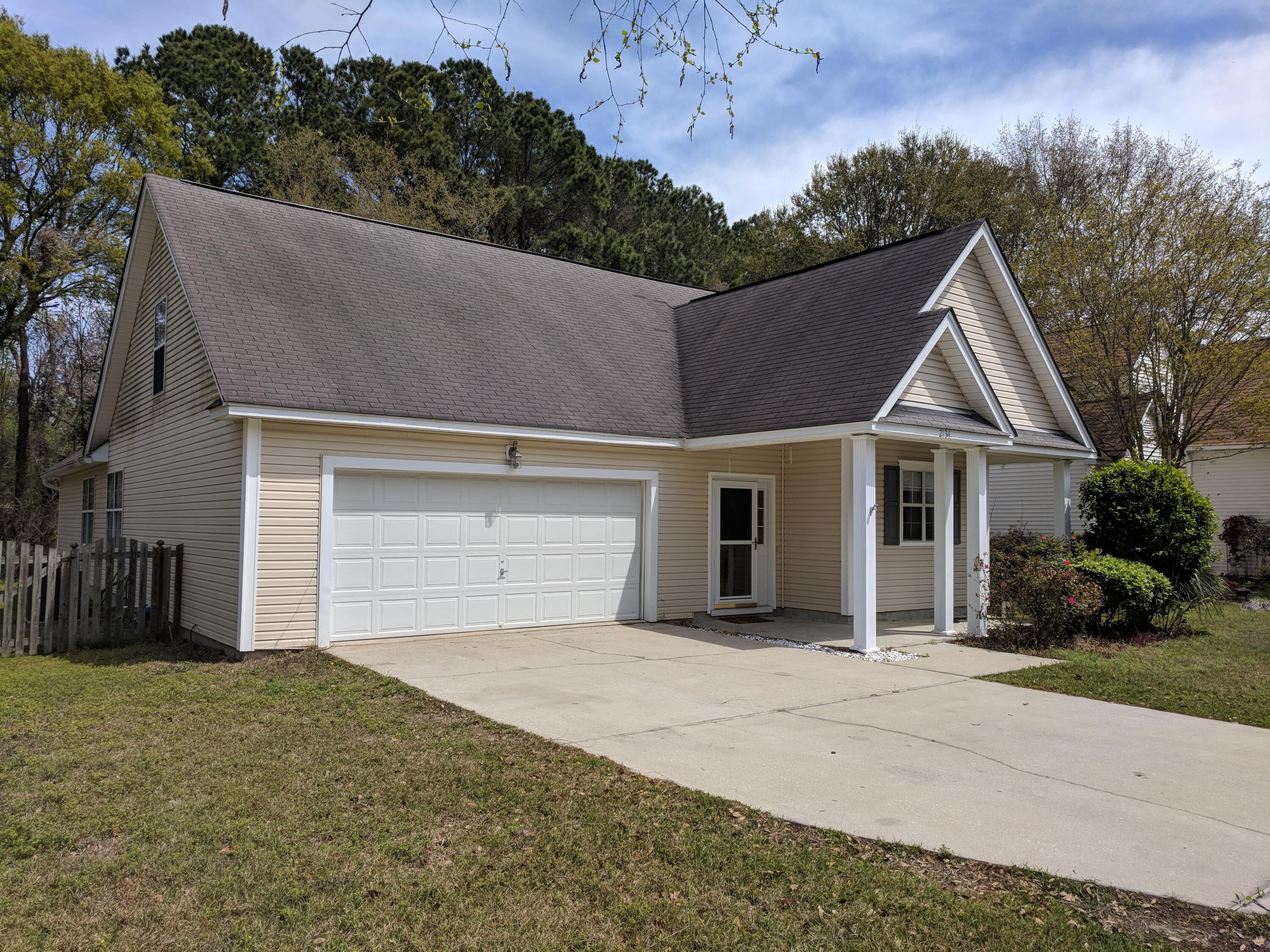 2134 Country Manor Drive Mount Pleasant, SC 29466