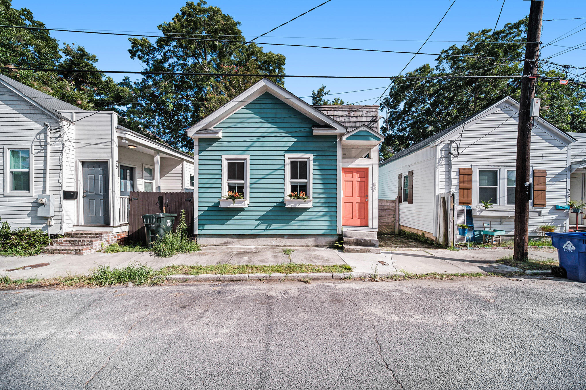 37 Poinsett Street Charleston, SC 29403