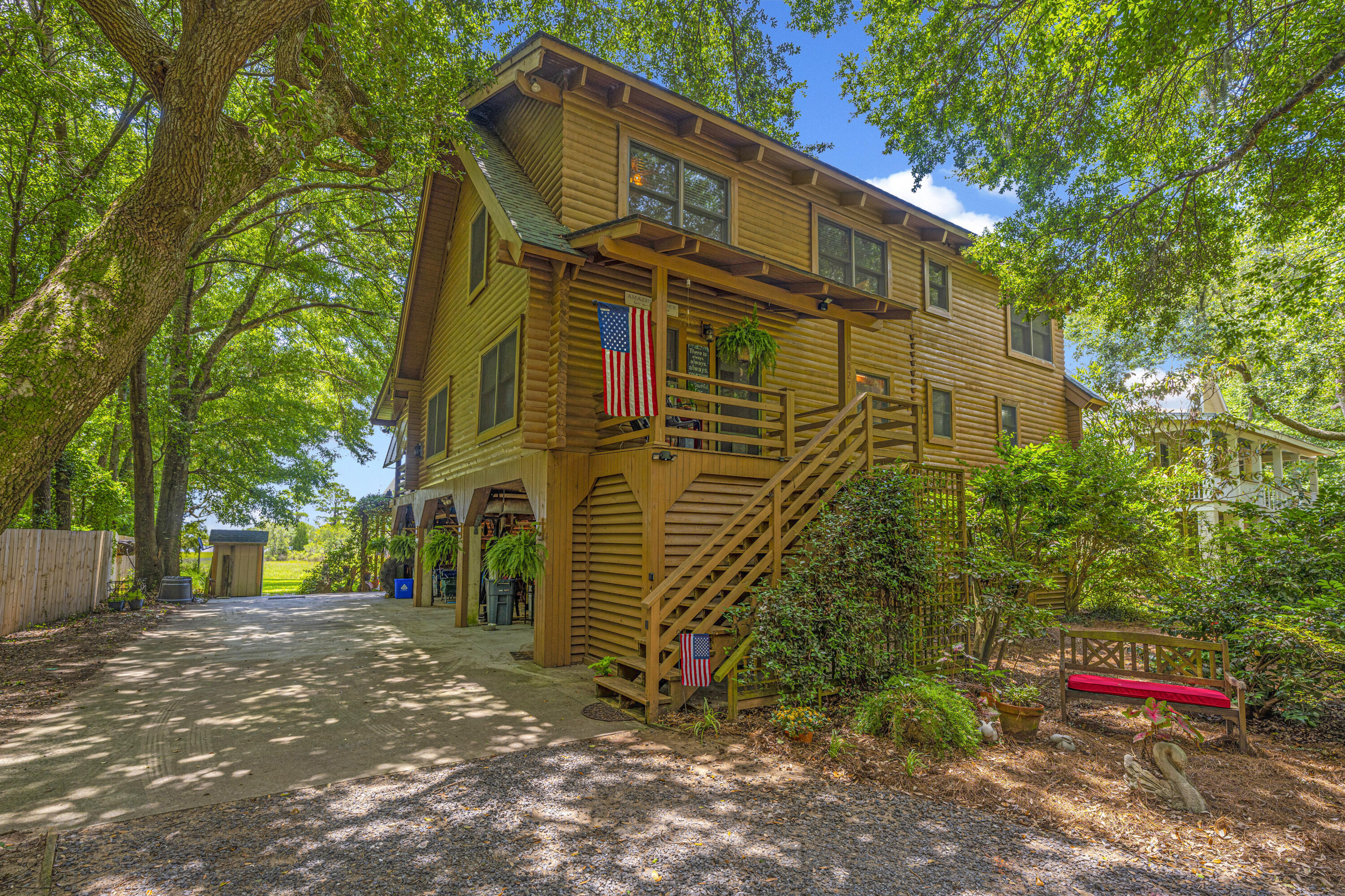6827 Limehouse Road Awendaw, SC 29429