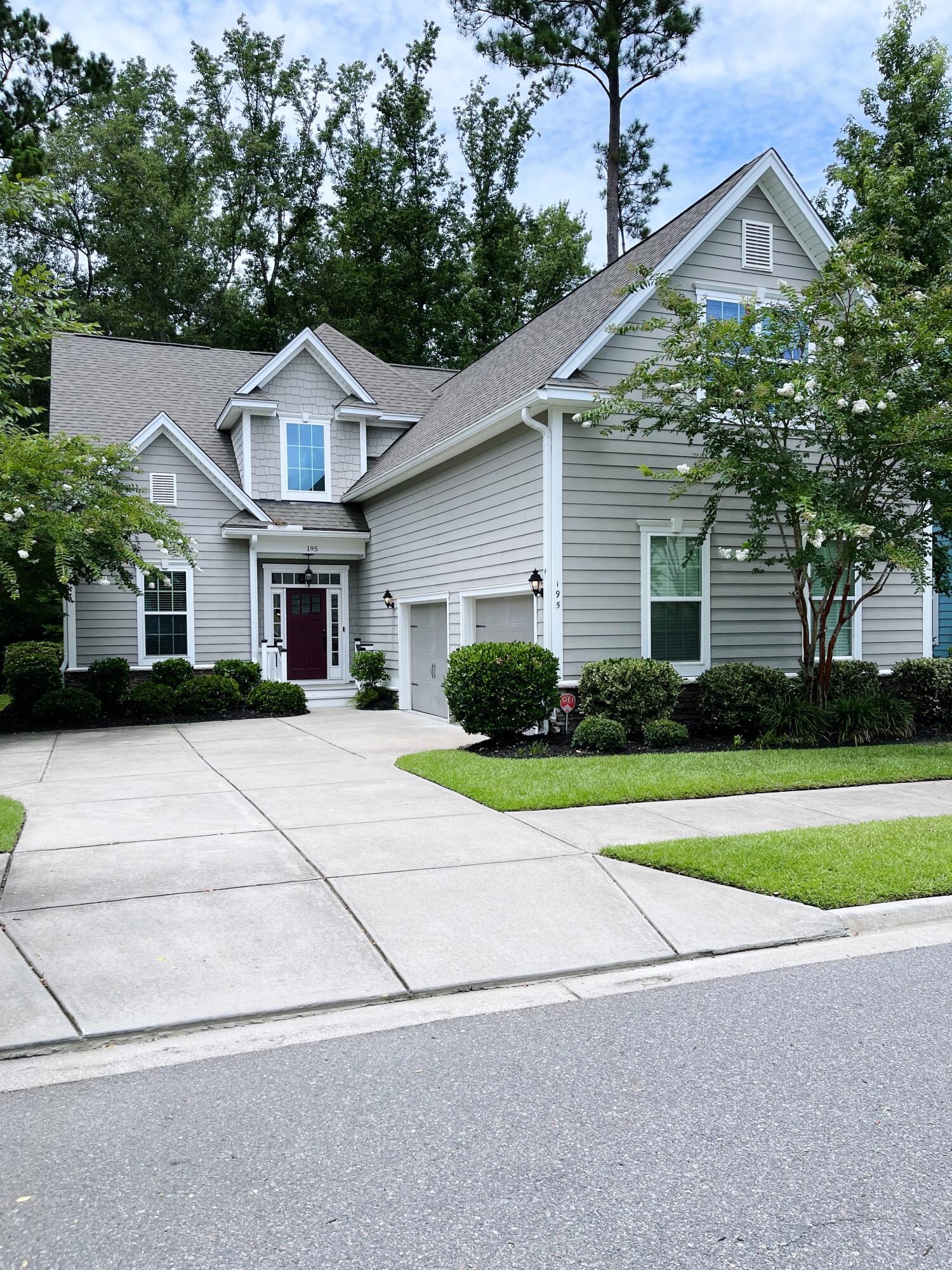 195 Donning Drive Summerville, SC 29483