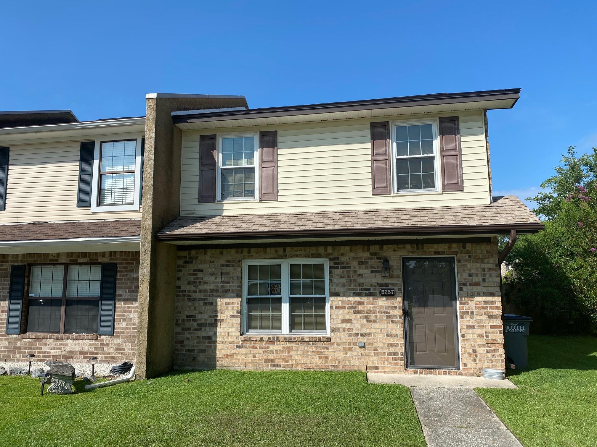 5737 Dewsbury Lane North Charleston, SC 29418