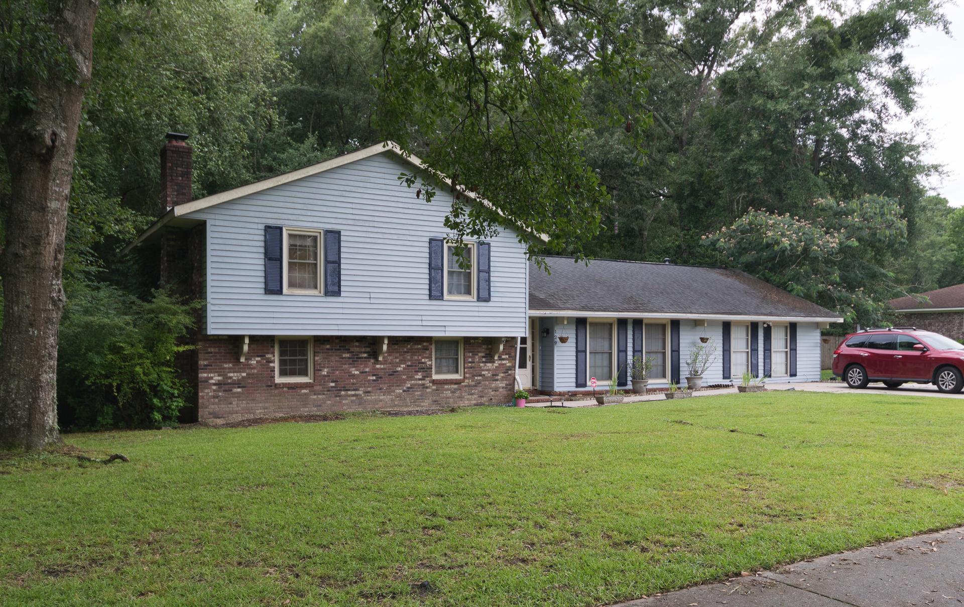 129 Axtell Drive Summerville, SC 29485