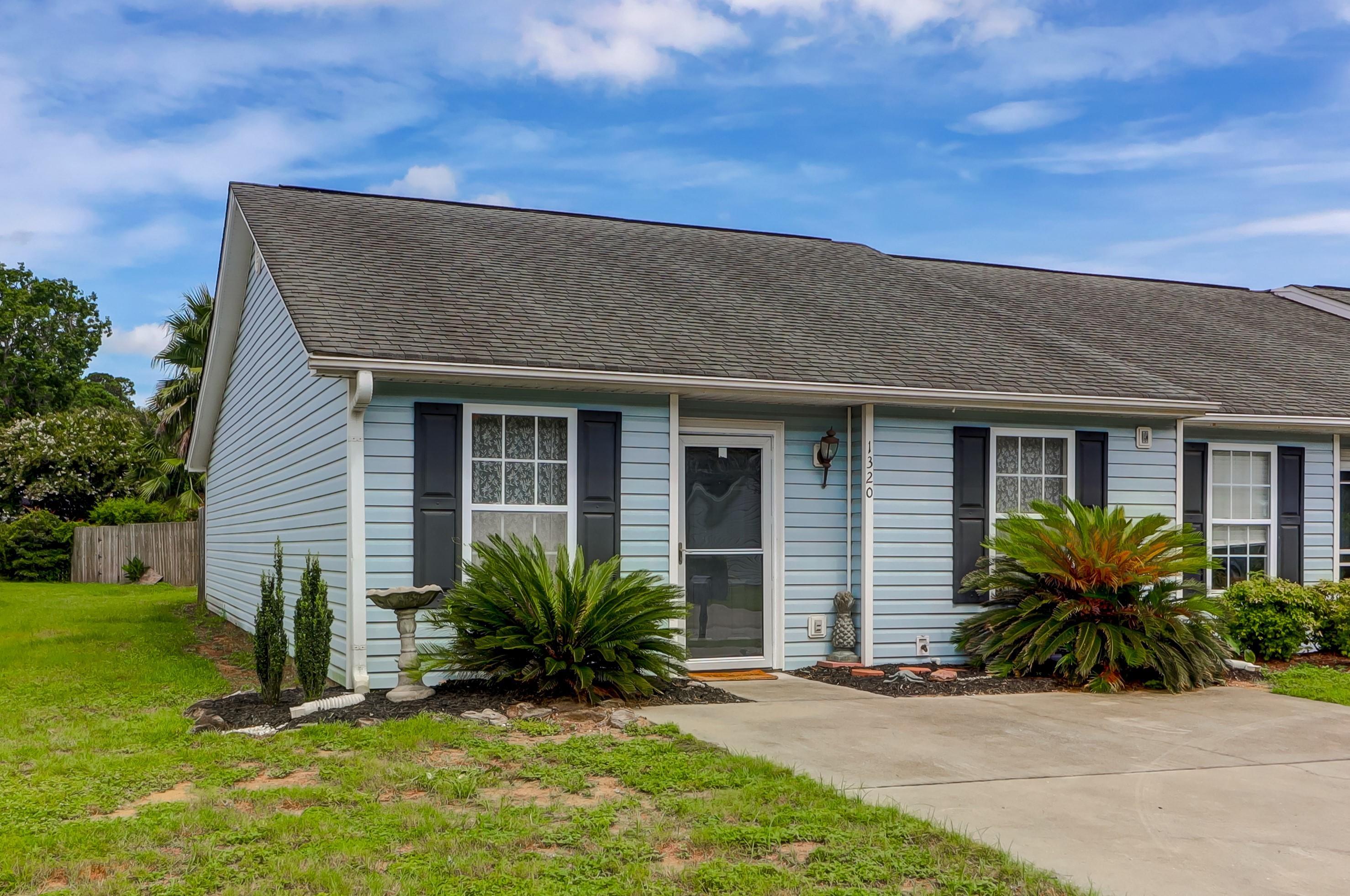 1320 Pinnacle Lane Charleston, SC 29412