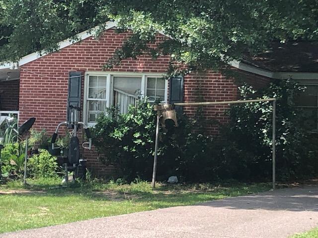 5521 Garrett Avenue North Charleston, SC 29406
