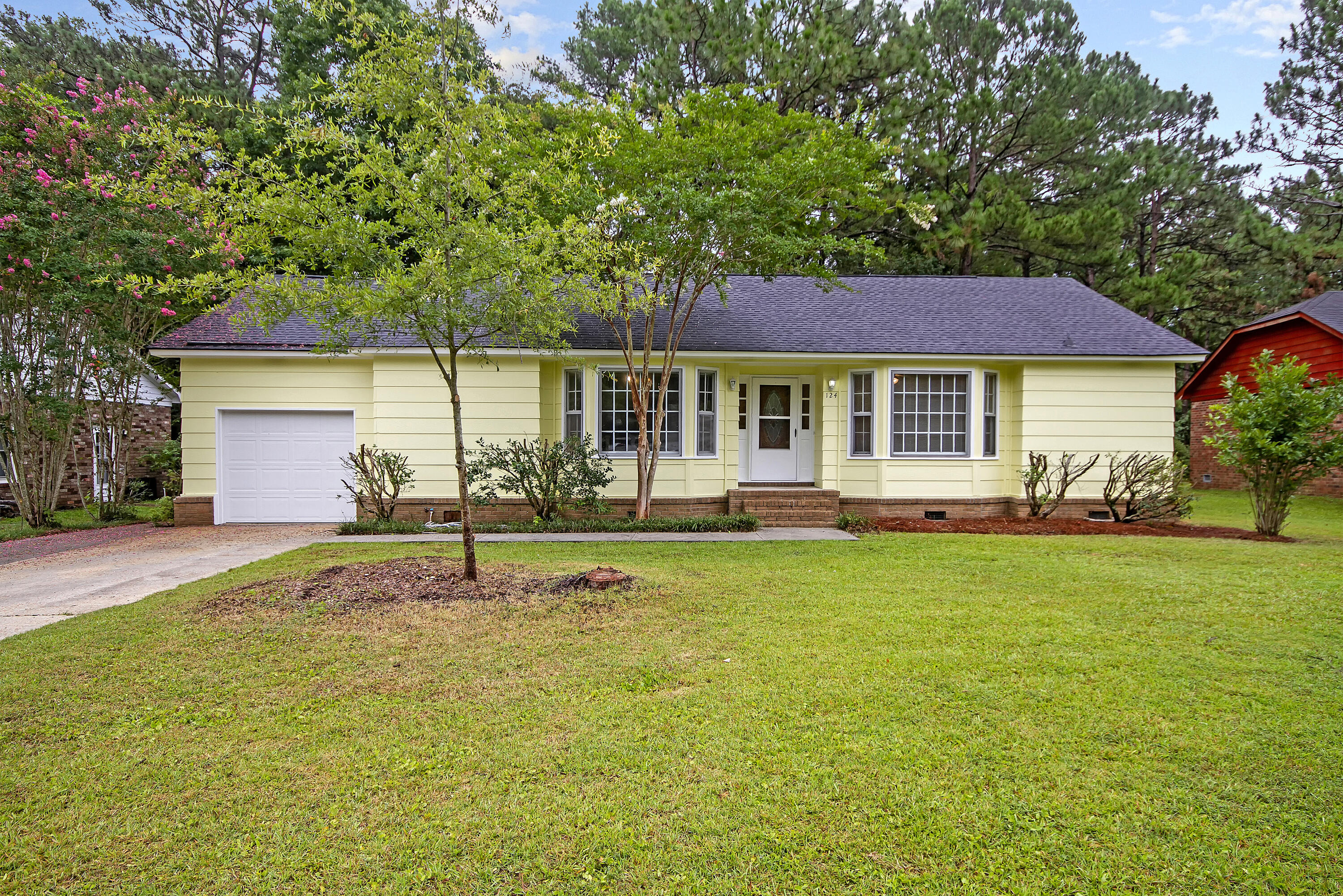 124 Canaberry Circle Summerville, SC 29483