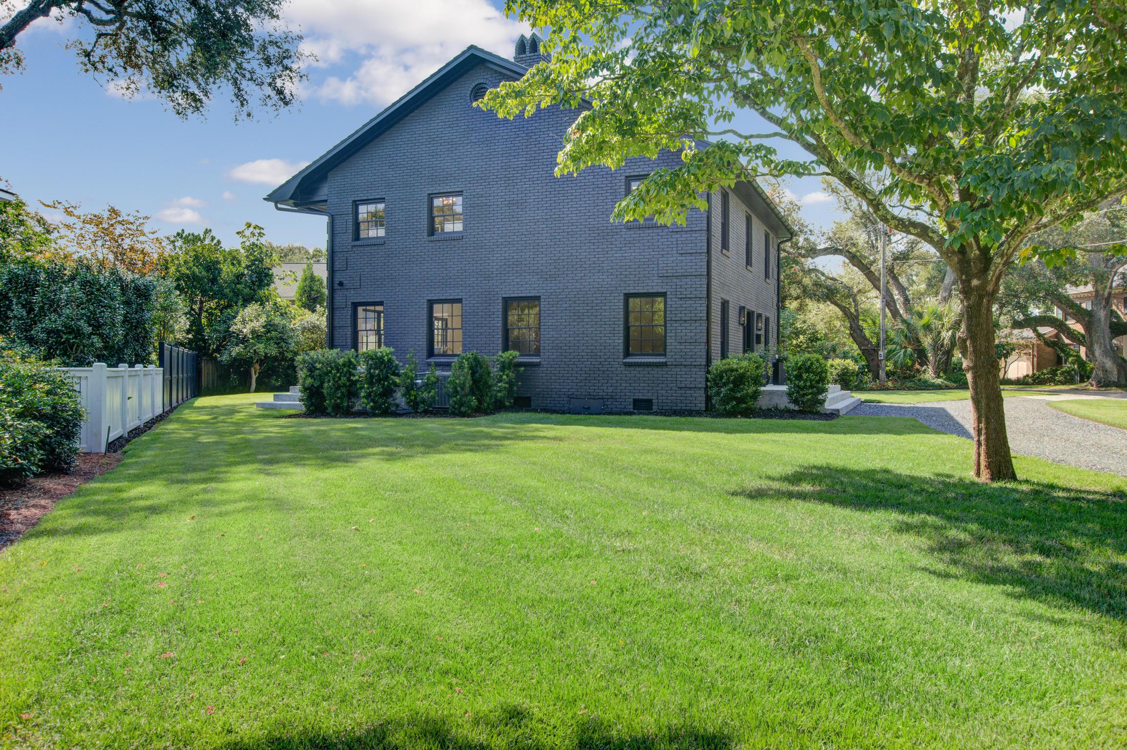 Old Village Homes For Sale - 11 Pierates Cruz, Mount Pleasant, SC - 16