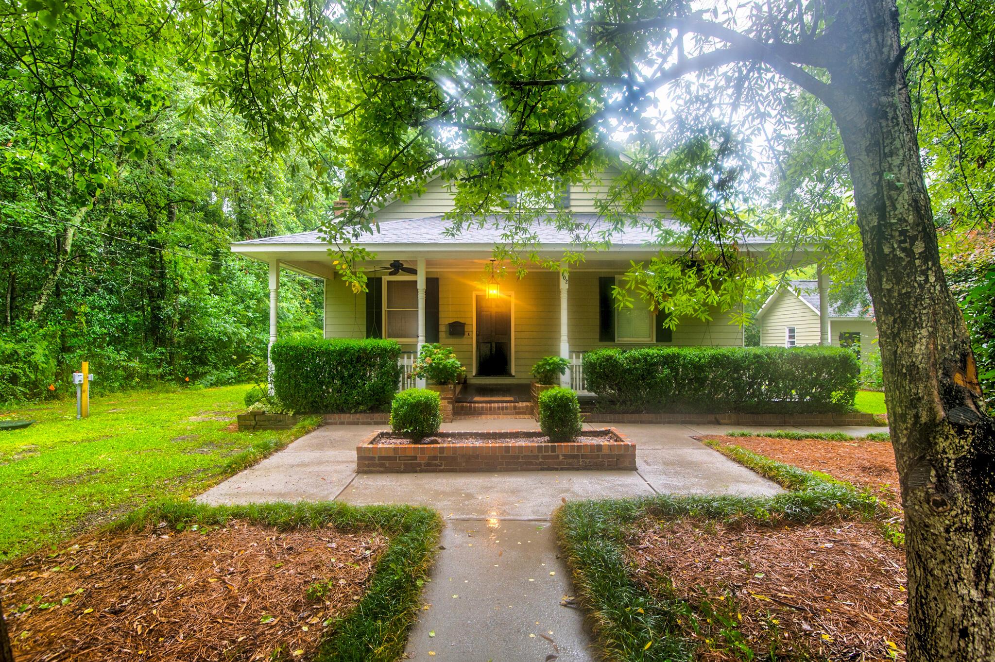 102 S Oak Street Summerville, SC 29483