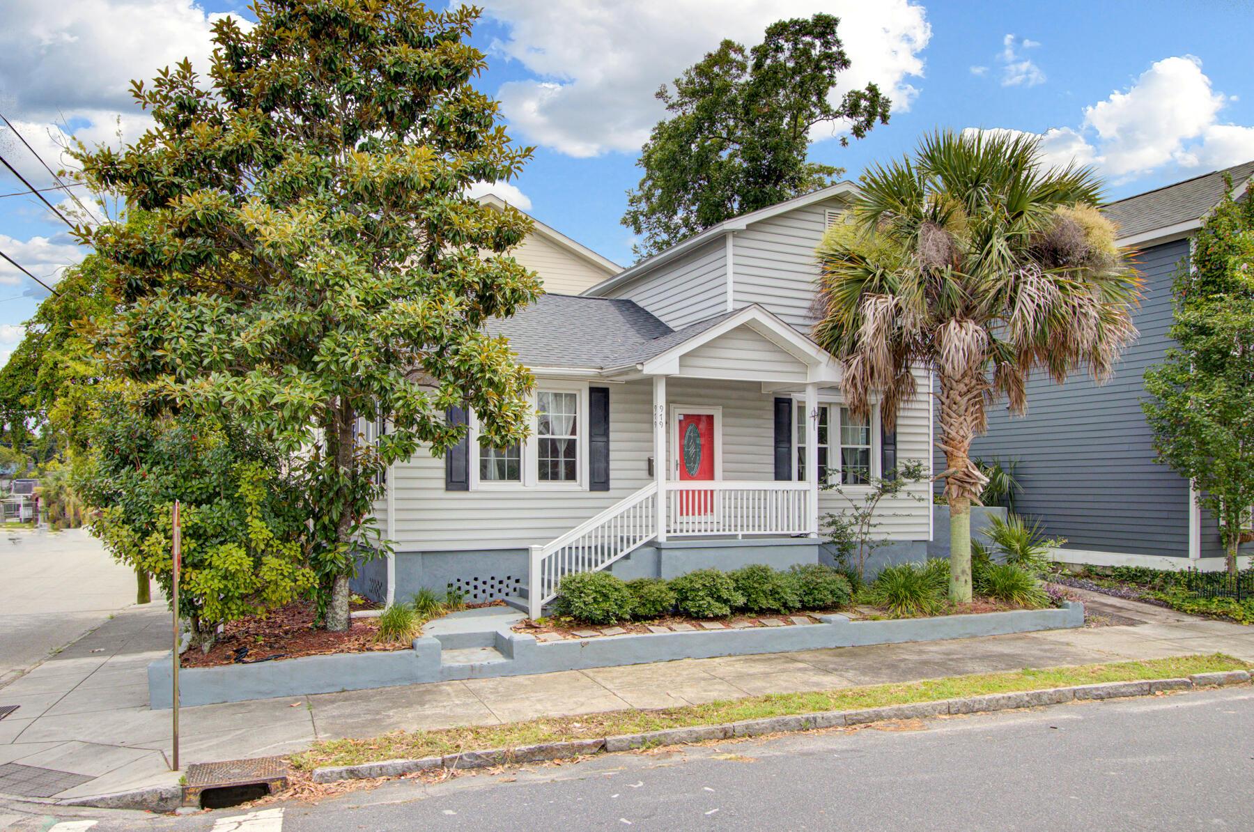 979 King Street Charleston, SC 29403