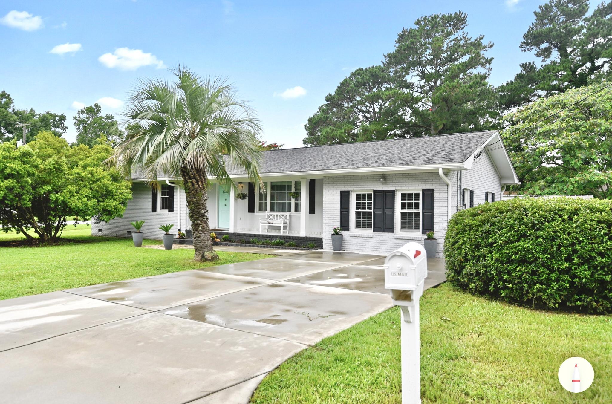 1362 Nye Street Charleston, SC 29407