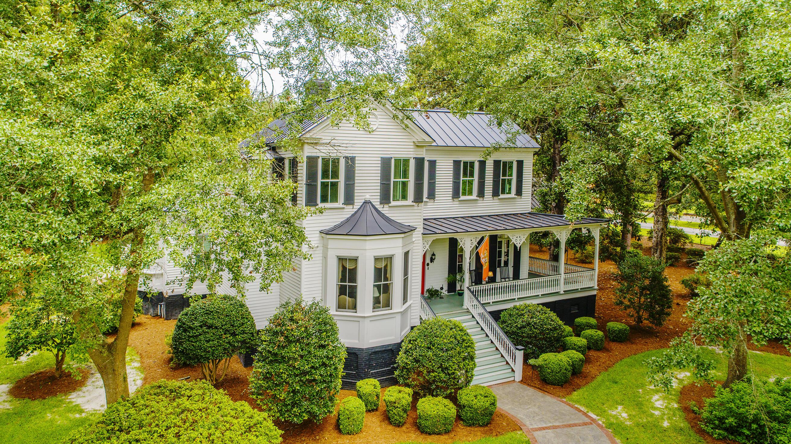 Summerville Homes For Sale - 102 Hickory, Summerville, SC - 32