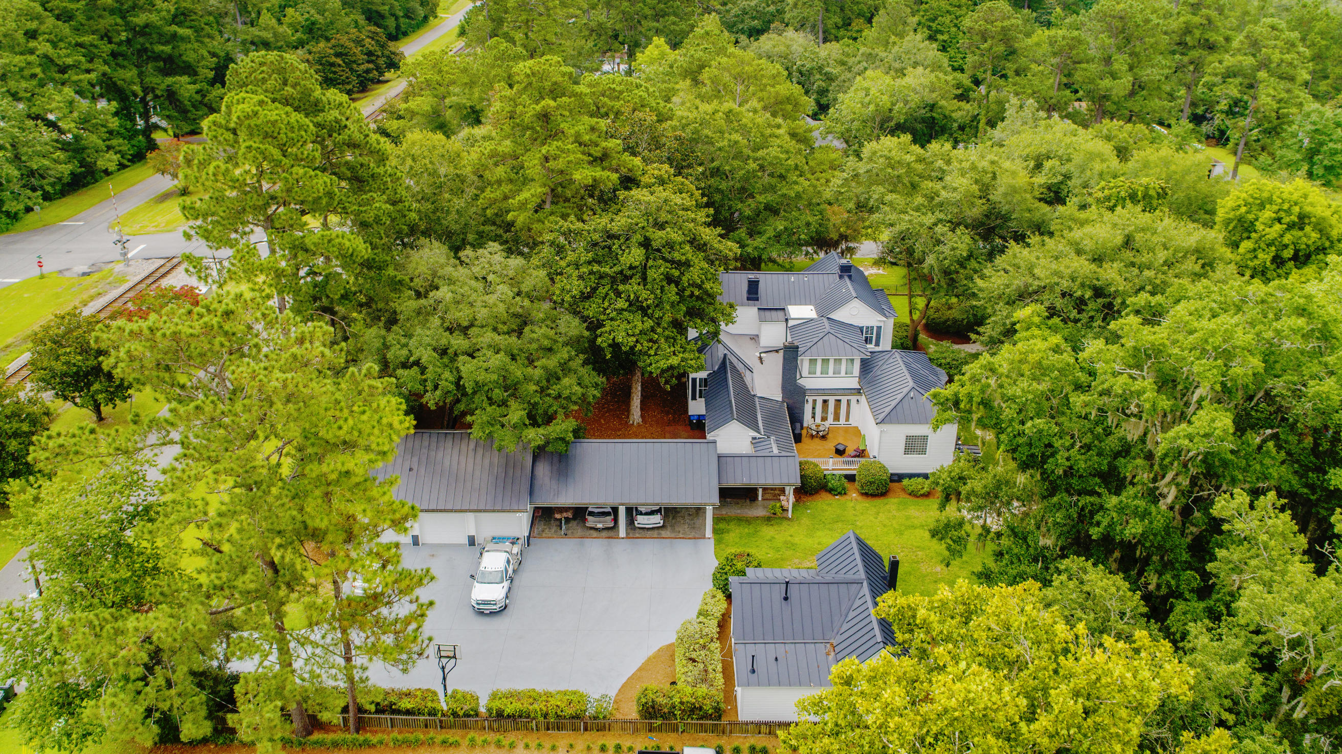 Summerville Homes For Sale - 102 Hickory, Summerville, SC - 68