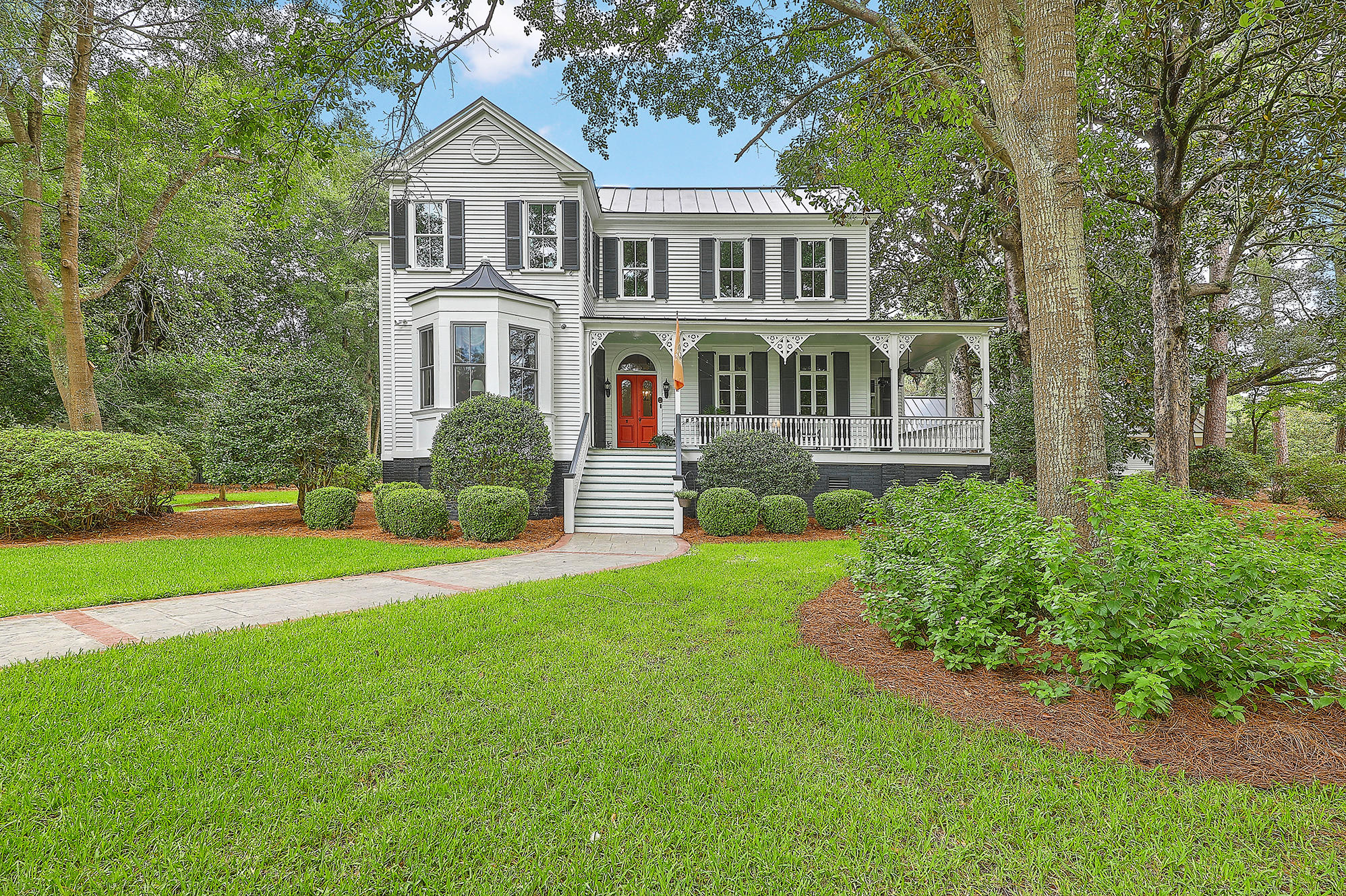 Summerville Homes For Sale - 102 Hickory, Summerville, SC - 27
