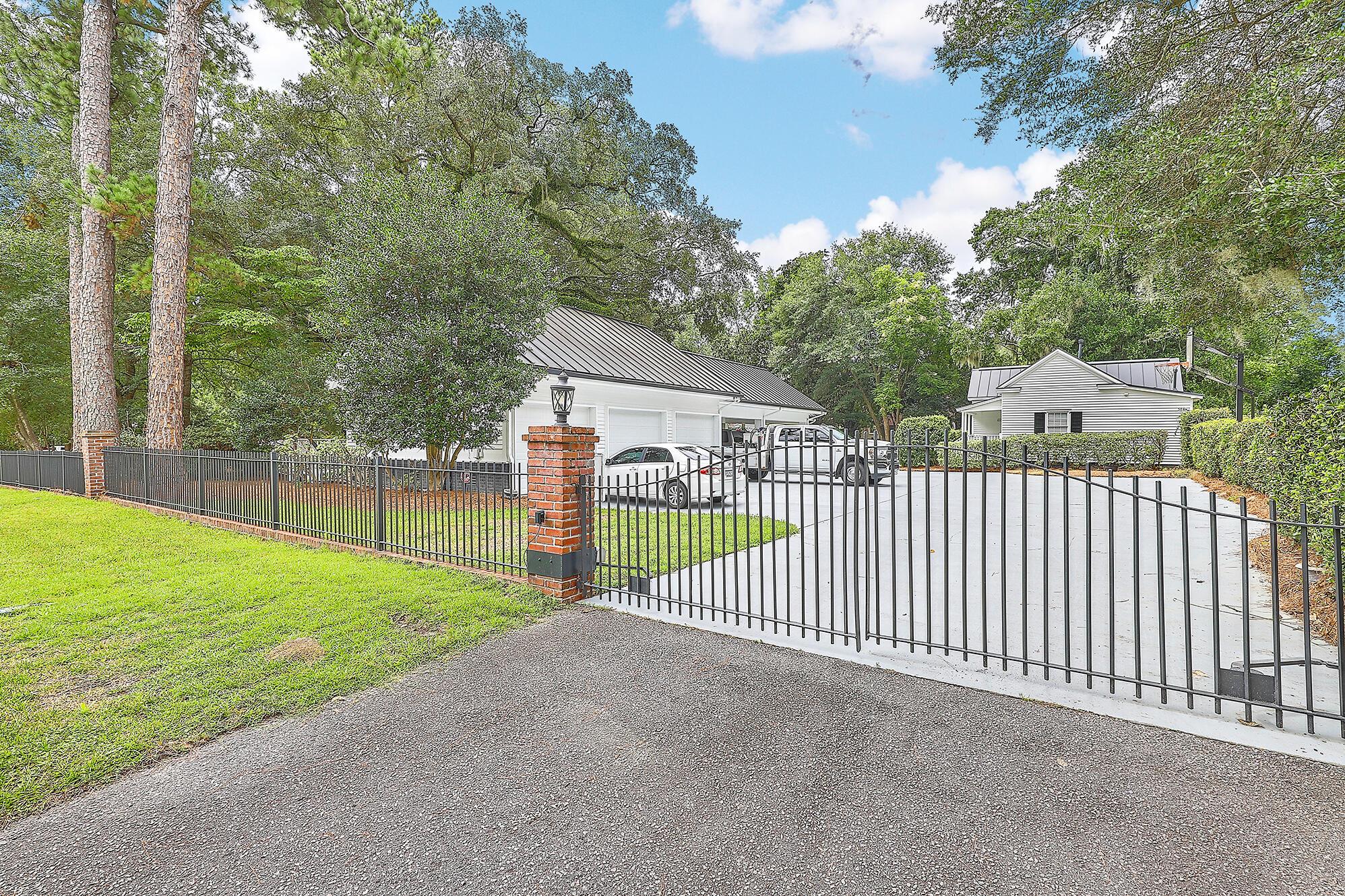 Summerville Homes For Sale - 102 Hickory, Summerville, SC - 17