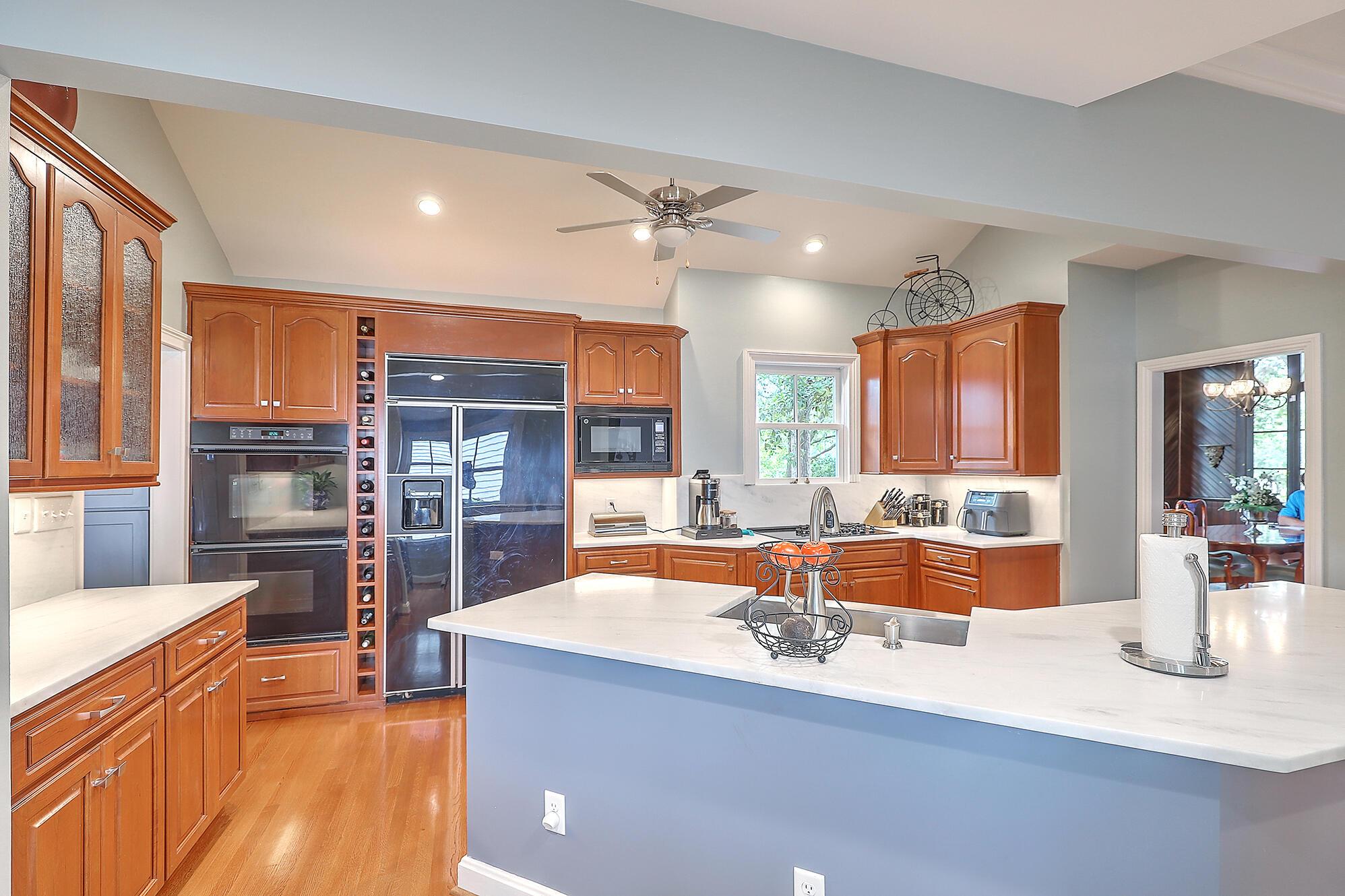 Summerville Homes For Sale - 102 Hickory, Summerville, SC - 49