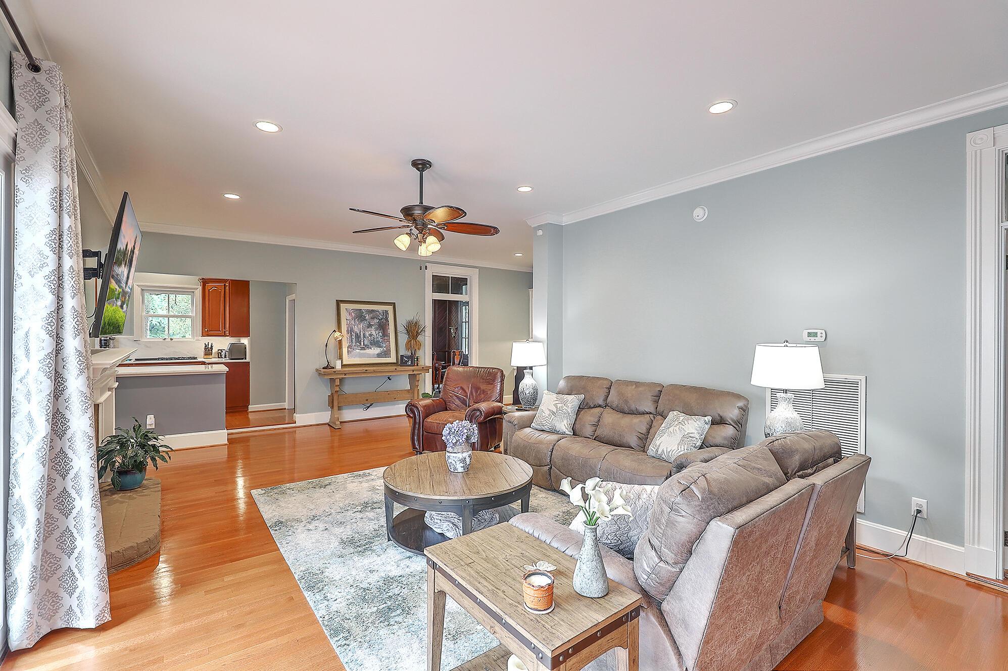Summerville Homes For Sale - 102 Hickory, Summerville, SC - 61
