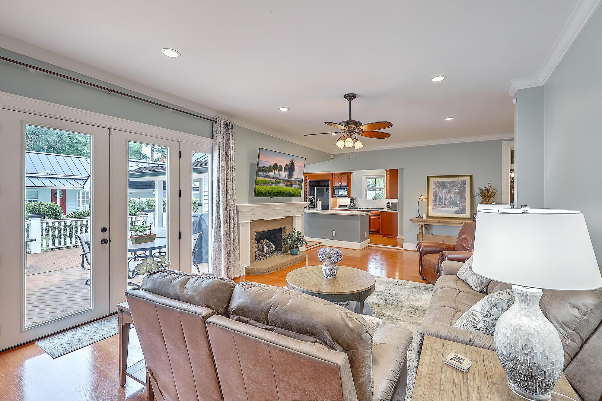 Summerville Homes For Sale - 102 Hickory, Summerville, SC - 62
