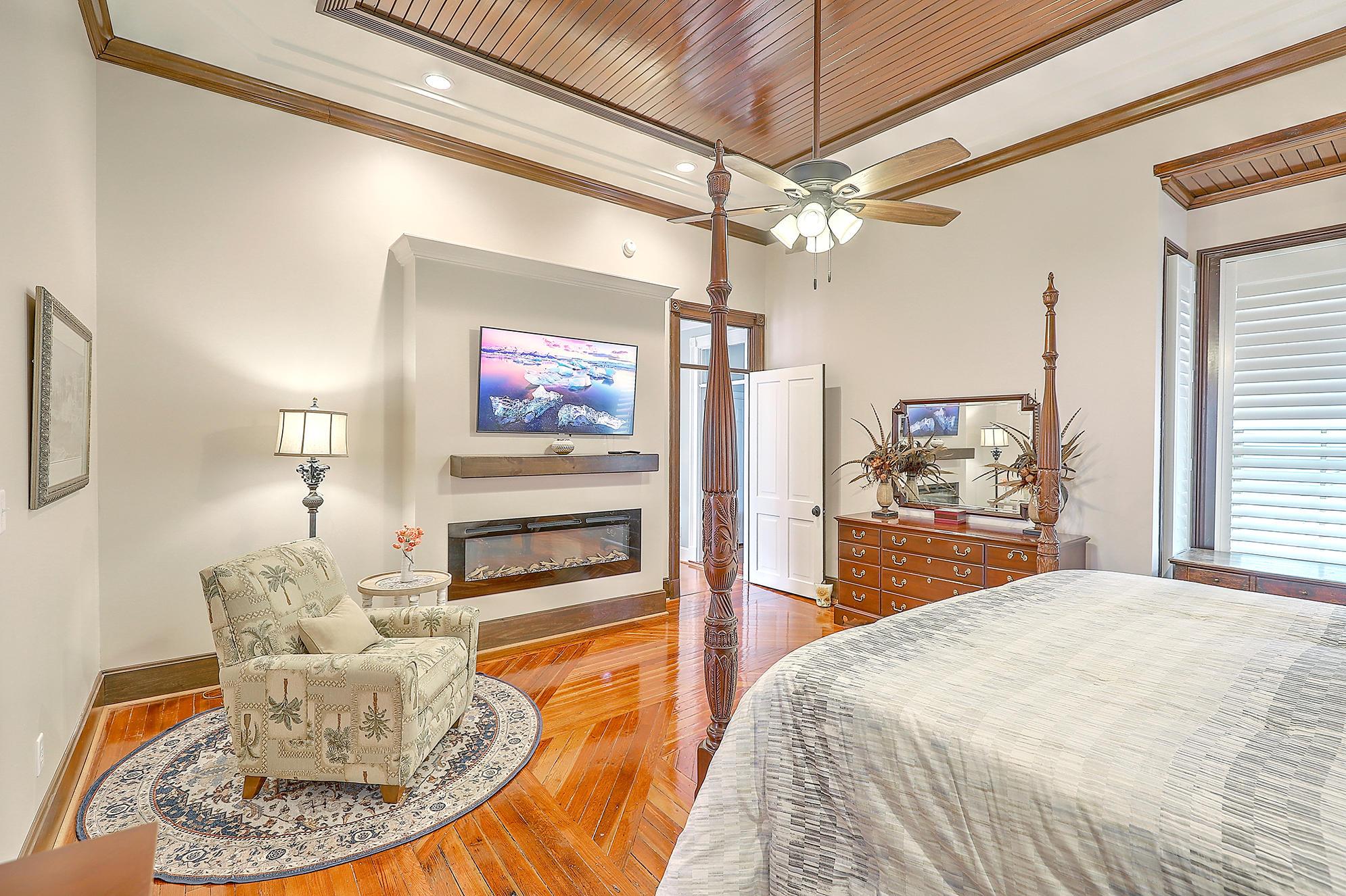 Summerville Homes For Sale - 102 Hickory, Summerville, SC - 102