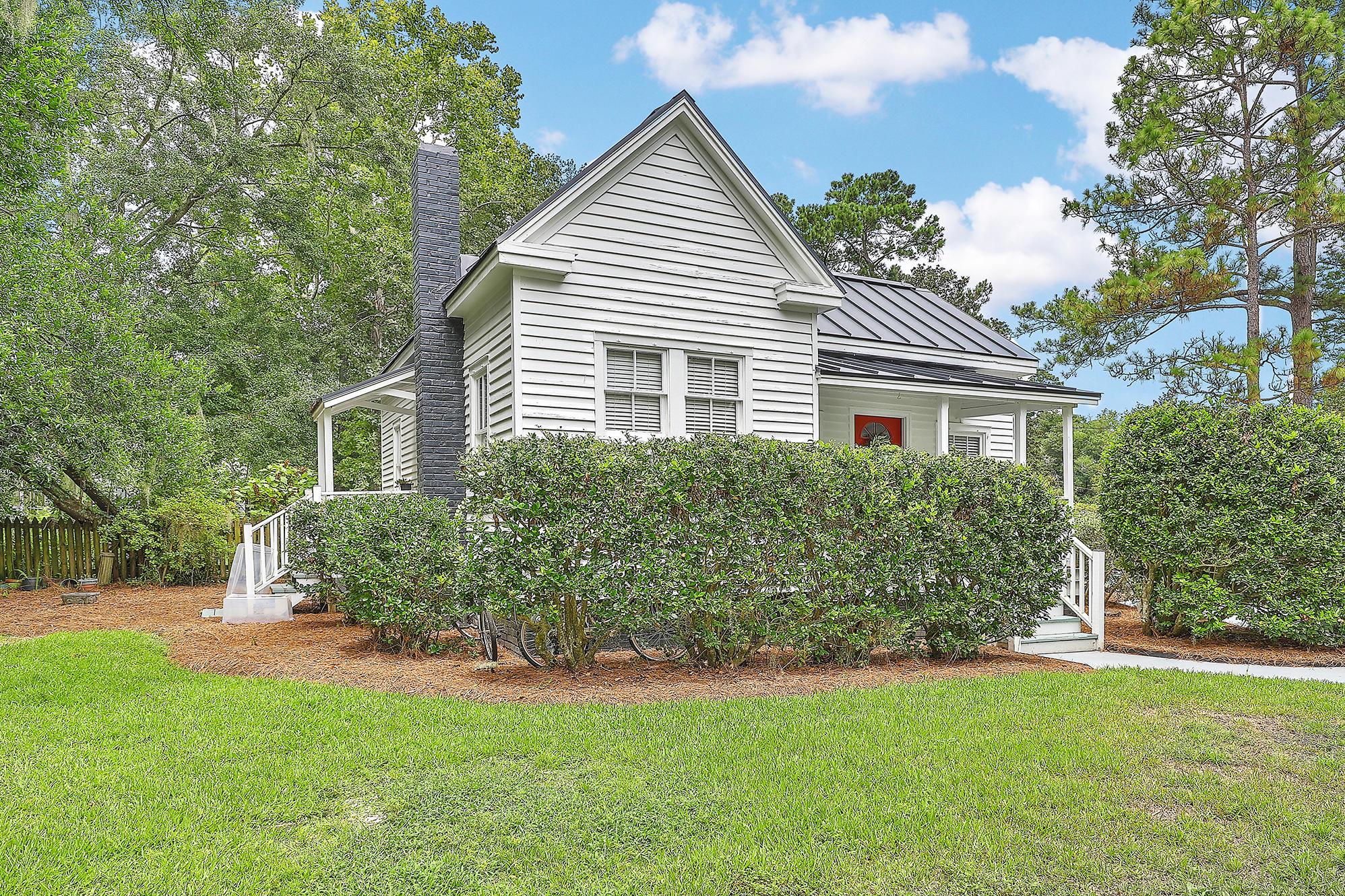 Summerville Homes For Sale - 102 Hickory, Summerville, SC - 11