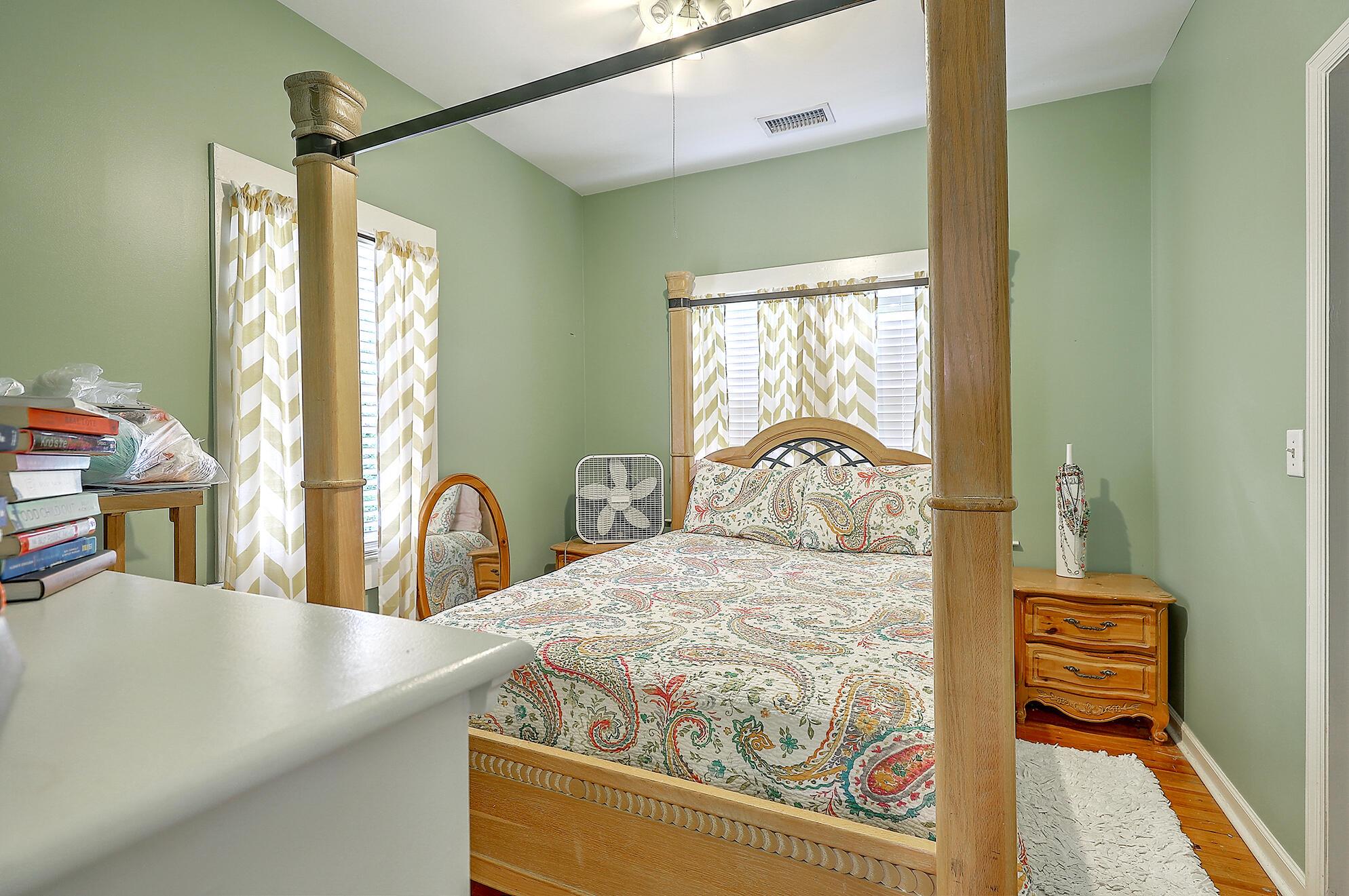Summerville Homes For Sale - 102 Hickory, Summerville, SC - 18