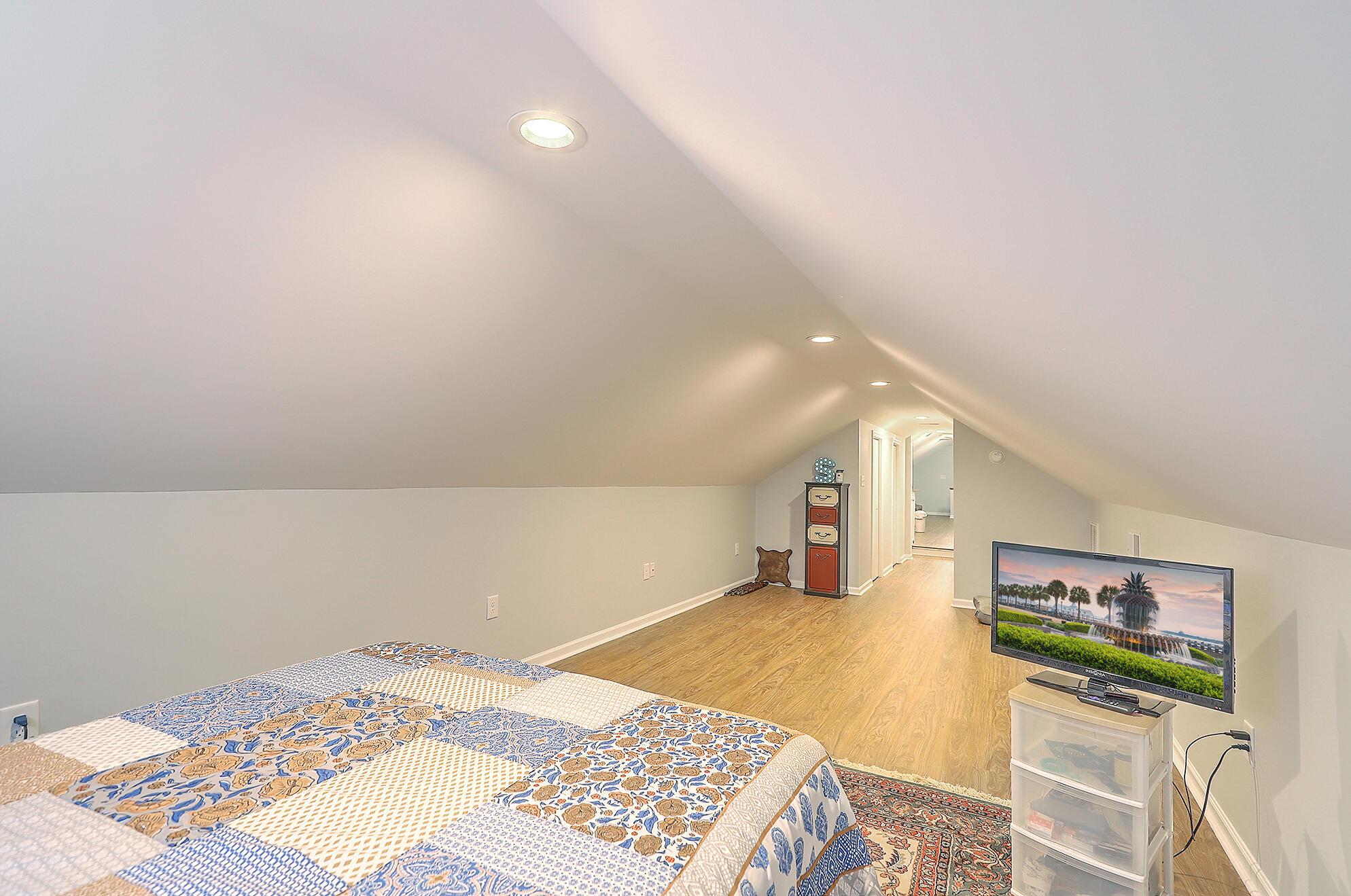 Summerville Homes For Sale - 102 Hickory, Summerville, SC - 74